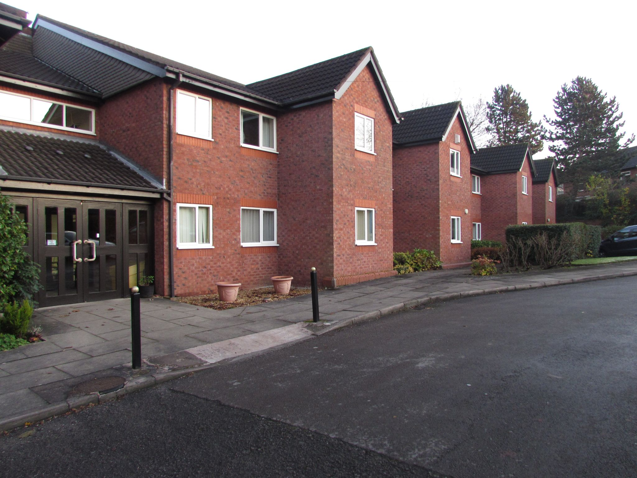 1 Bedroom Ground Floor Flat/apartment For Sale - Photograph 11