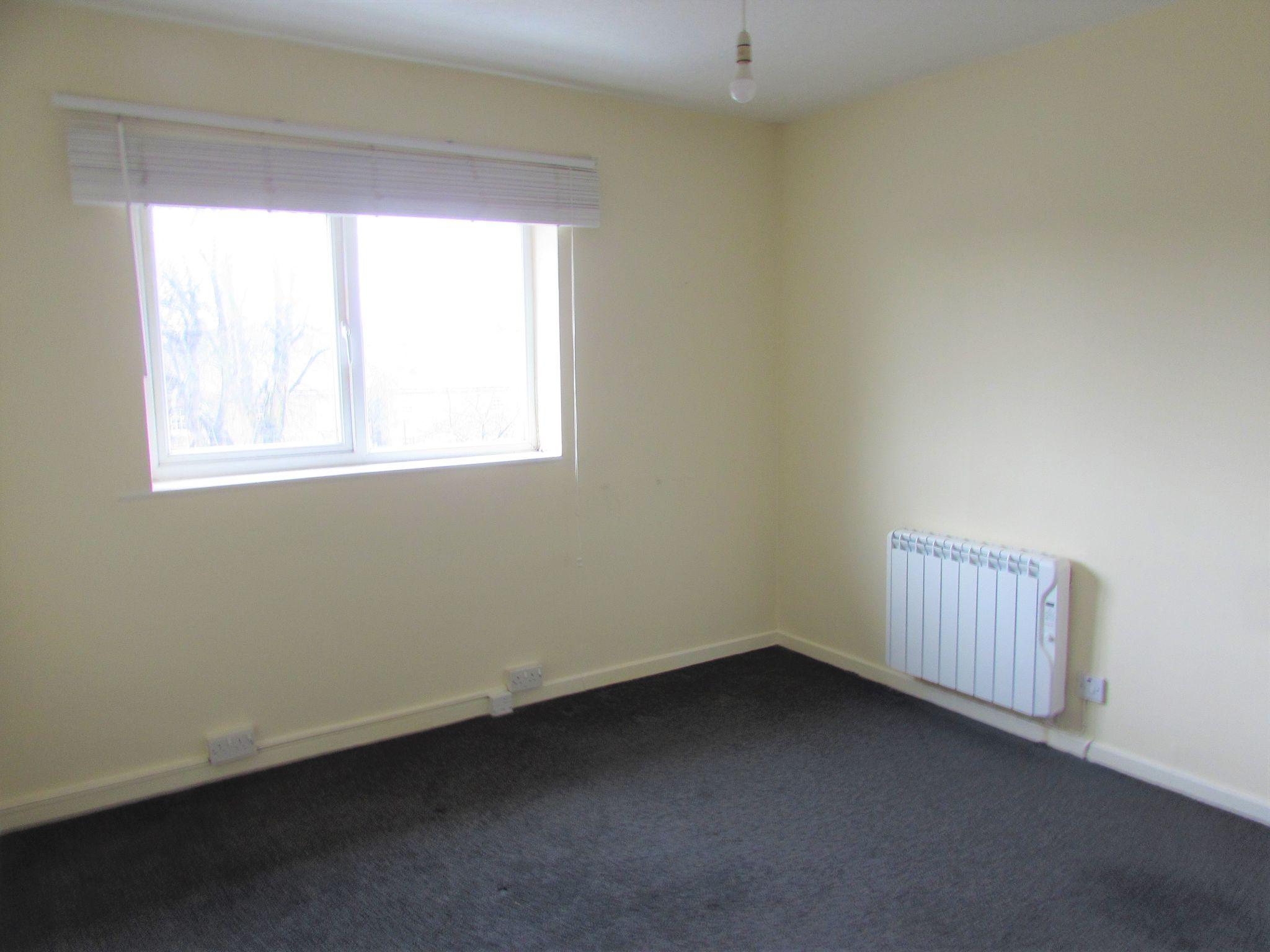 2 Bedroom Duplex Flat/apartment To Rent - Bedroom One