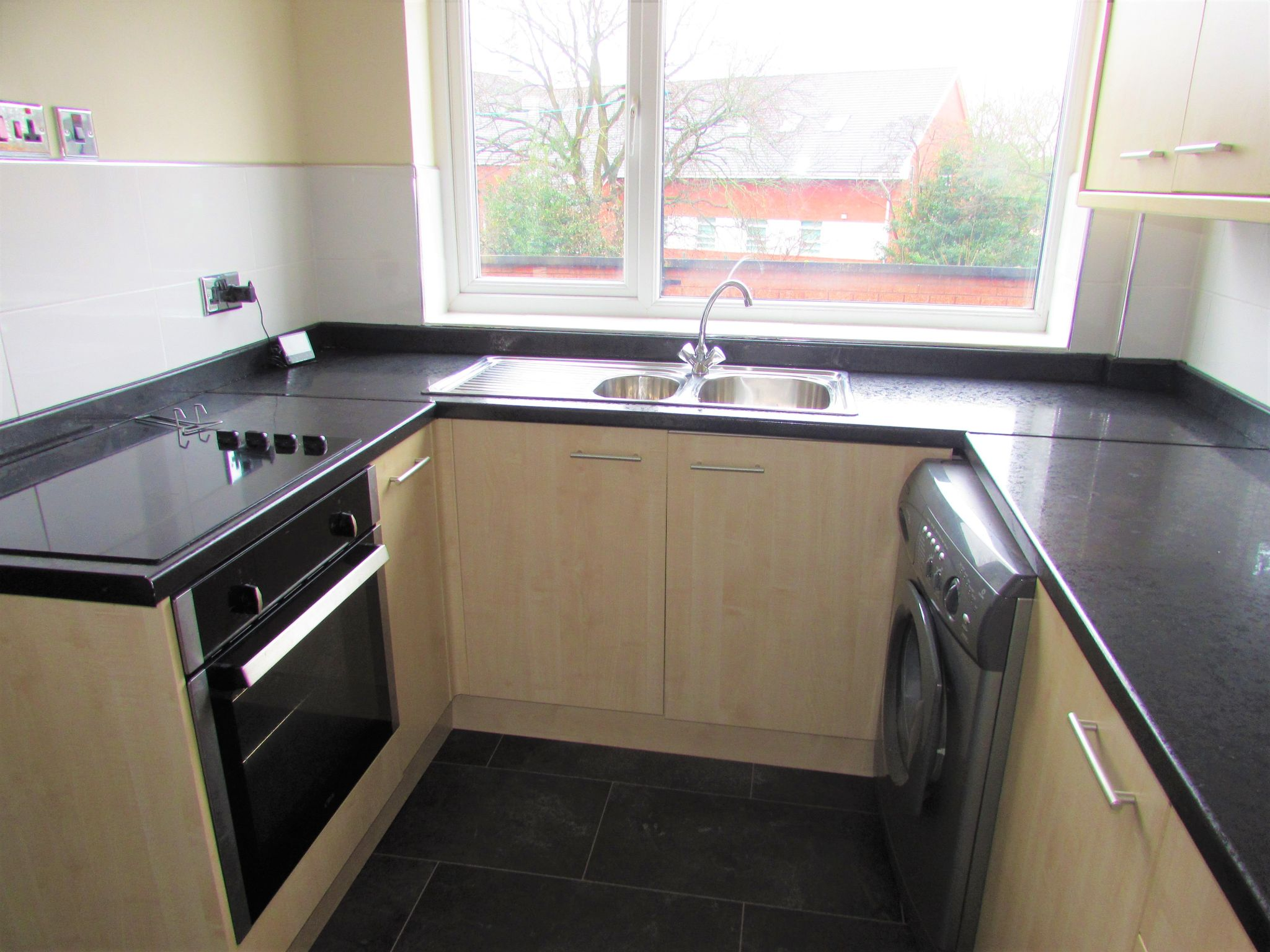 2 Bedroom Duplex Flat/apartment To Rent - Kitchen