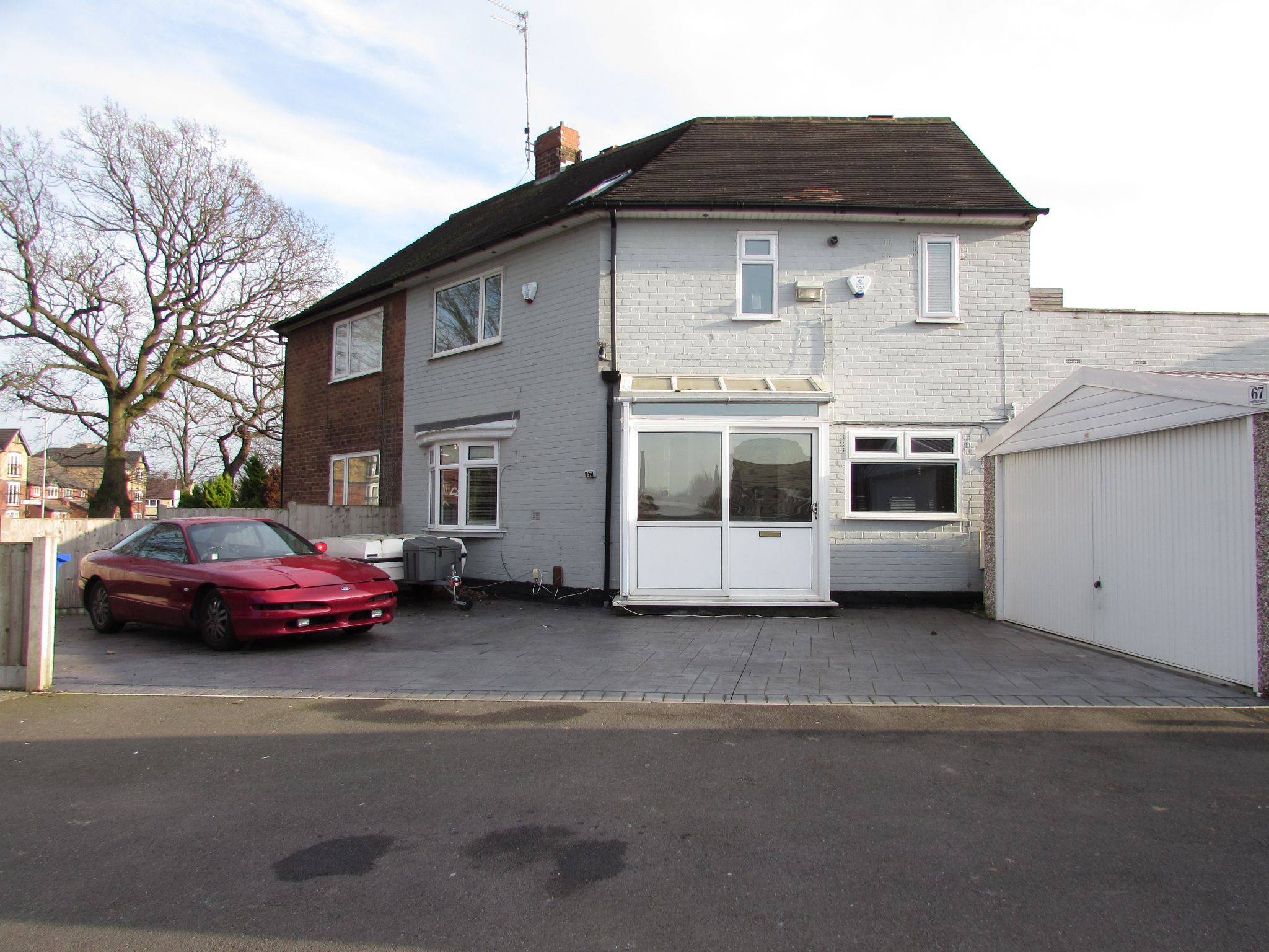 3 Bedroom Semi-detached House For Sale - Photograph 36