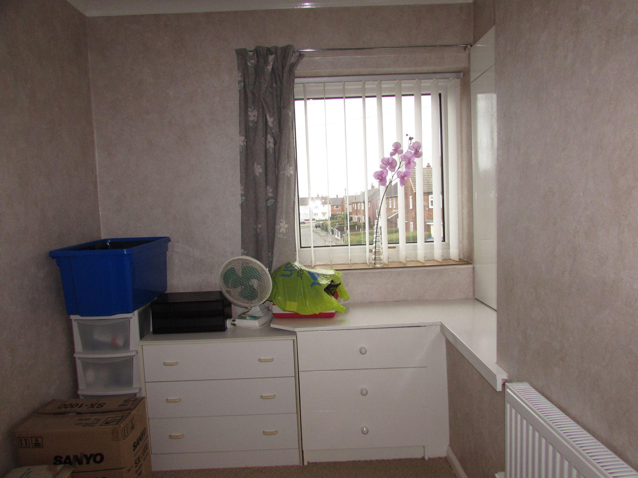 3 Bedroom Mid Terraced House For Sale - Bedroom 3