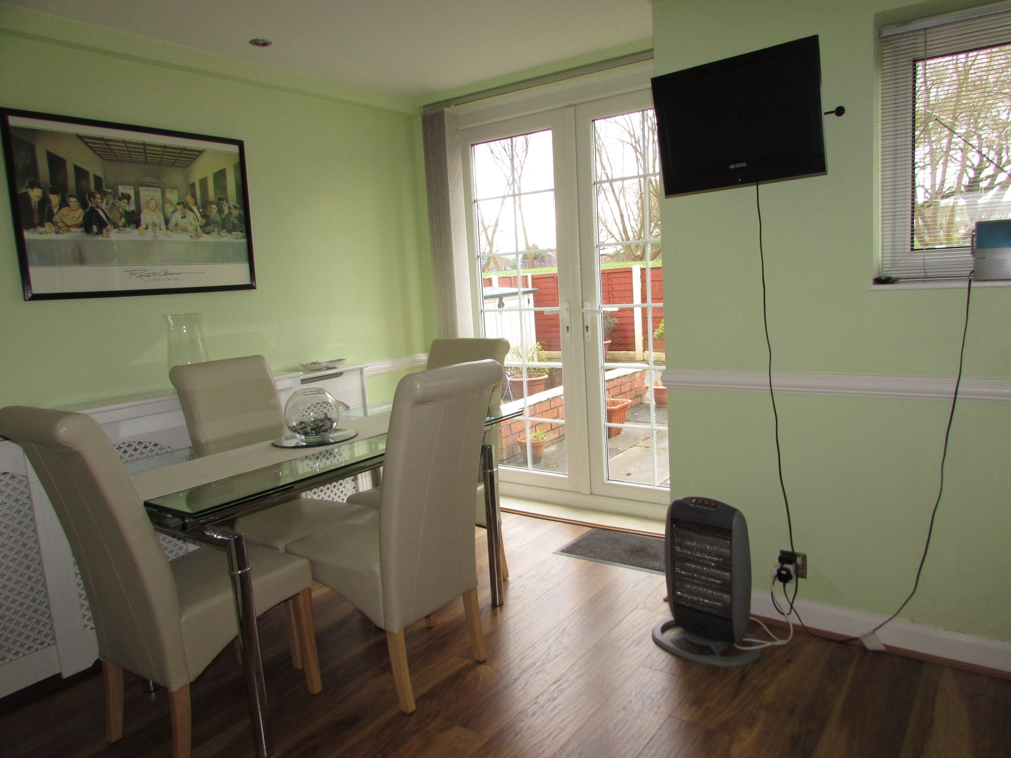 3 Bedroom Mid Terraced House For Sale - Dining Area