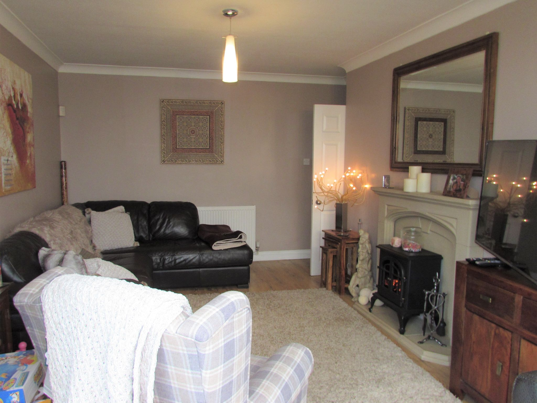 3 Bedroom Semi-detached House For Sale - Rear Lounge