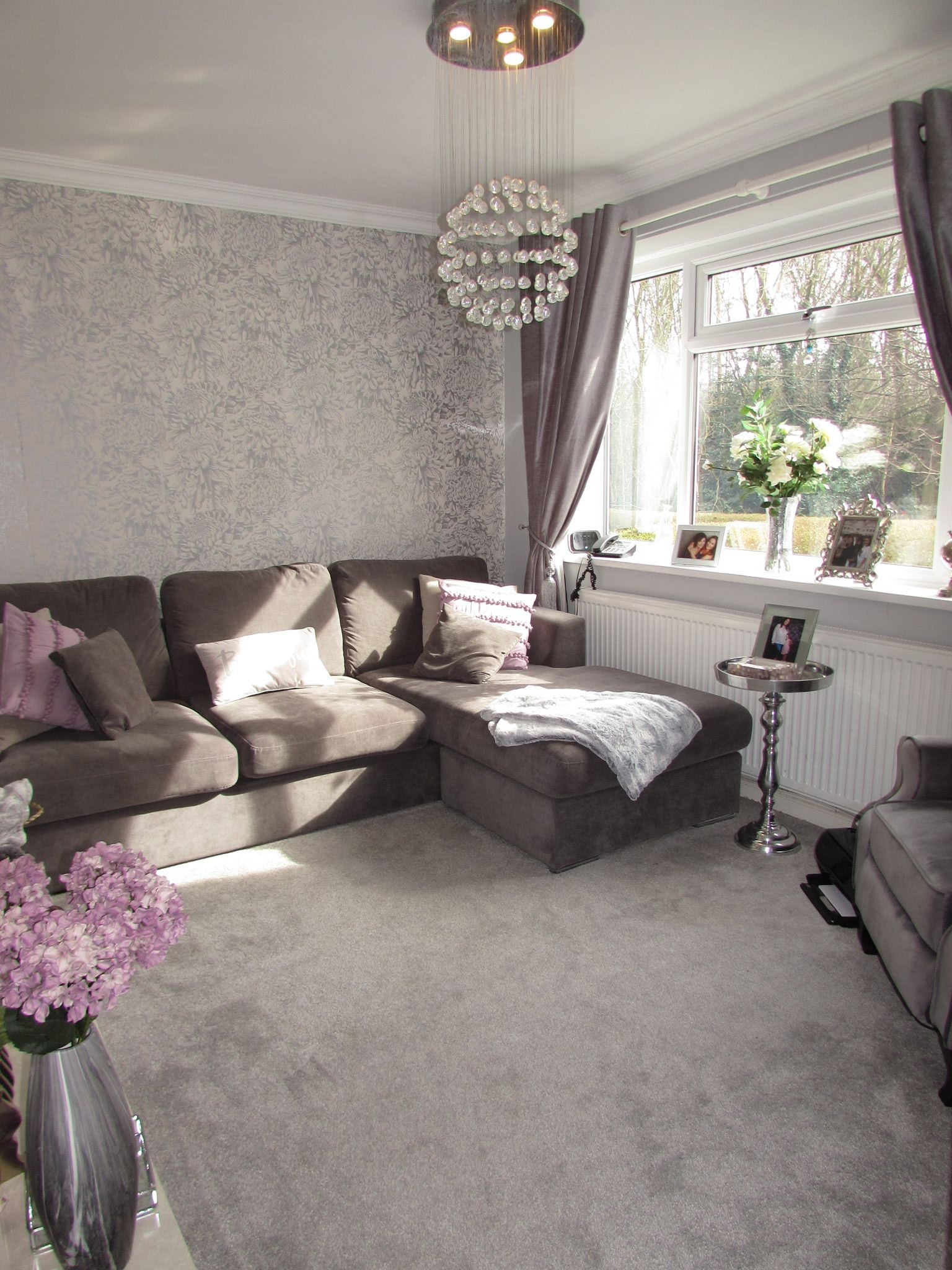 3 Bedroom Semi-detached House For Sale - Front Lounge
