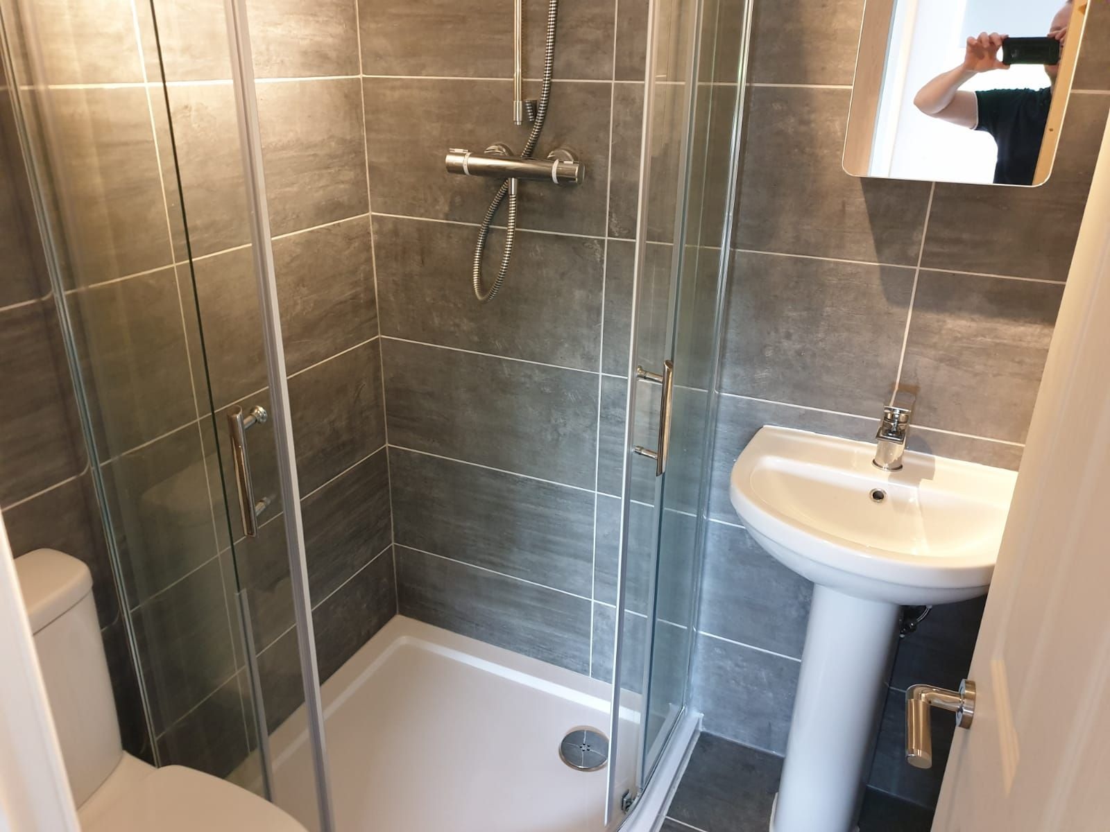 3 Bedroom Mid Terraced House For Sale - Bathroom/4 Piece Suite