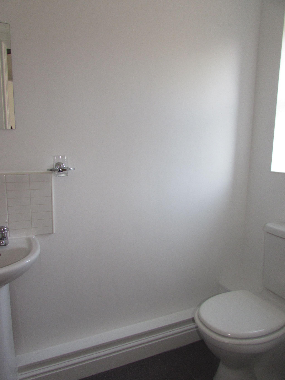 3 Bedroom Town House To Rent - SHOWER ROOM GRND FLR