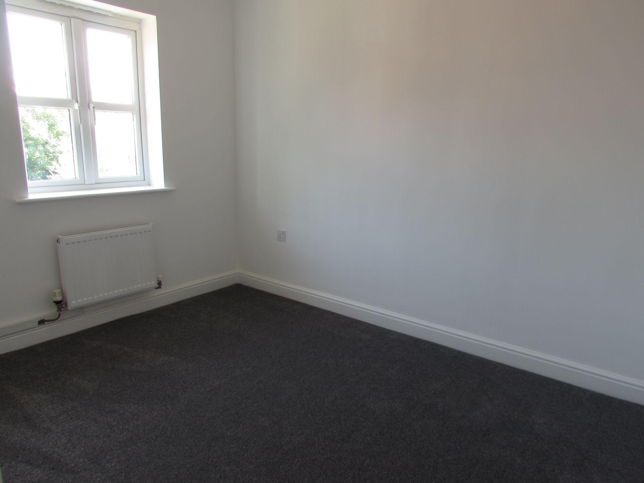 3 Bedroom Town House To Rent - BEDROOM 2