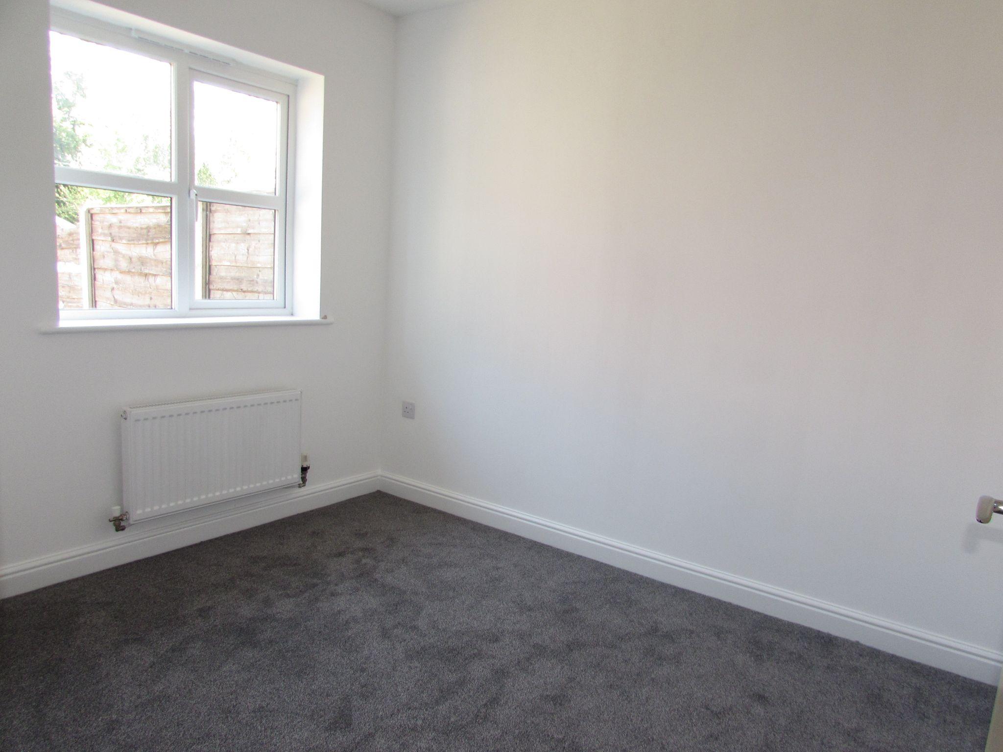 3 Bedroom Town House To Rent - BEDROOM 3