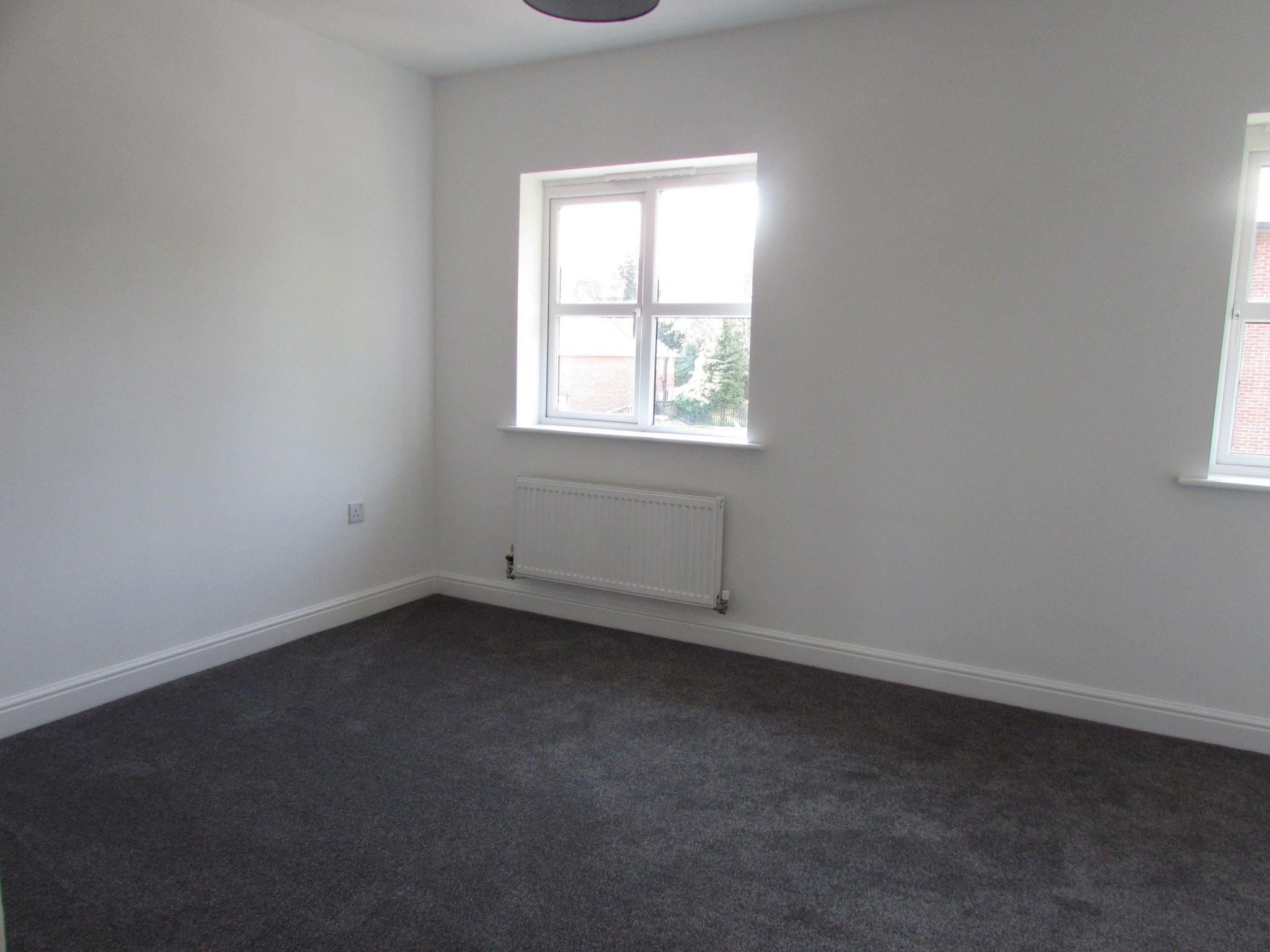 3 Bedroom Town House To Rent - BEDROOM 1