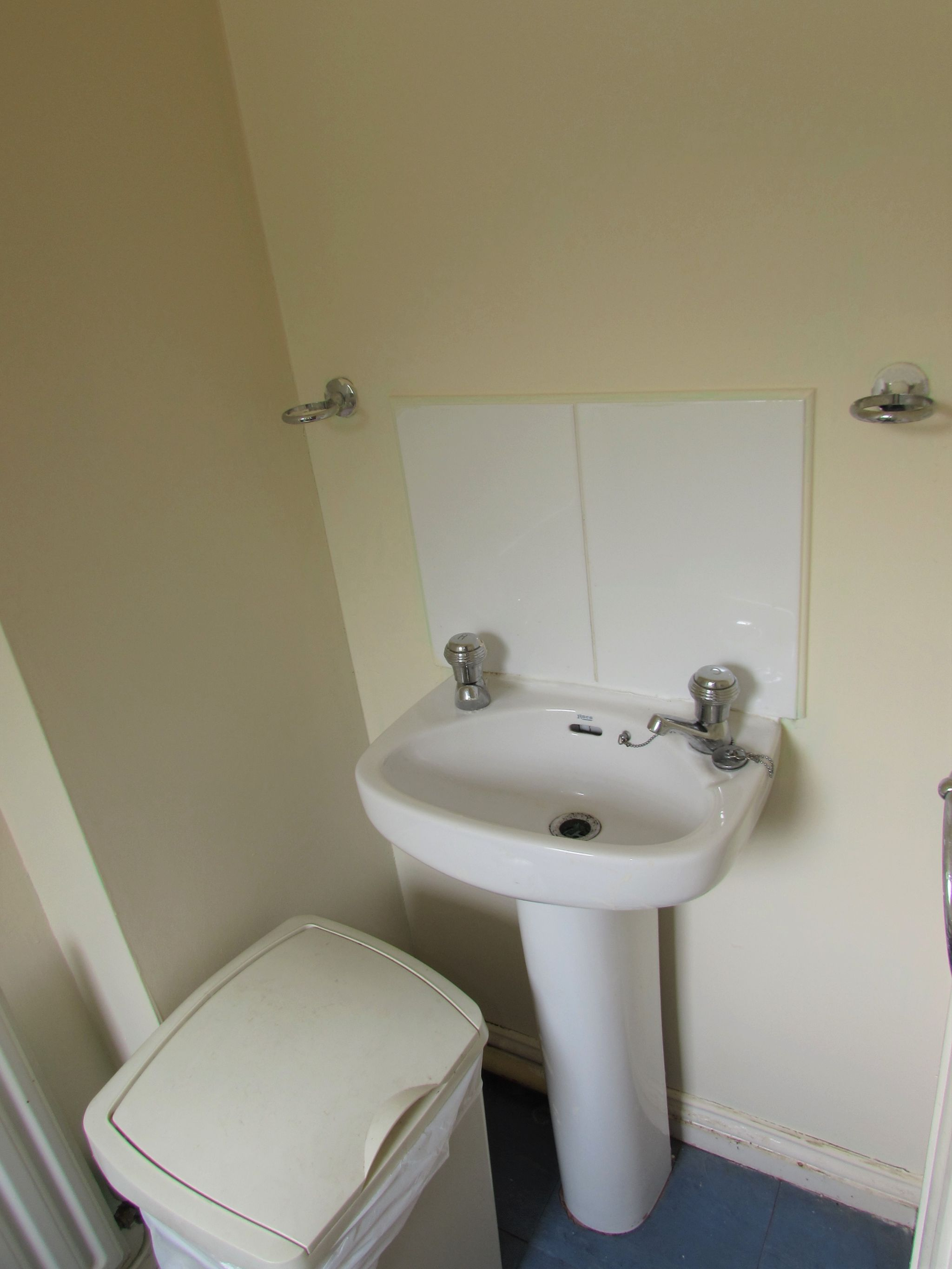 3 Bedroom End Terraced House For Sale - Photograph 6