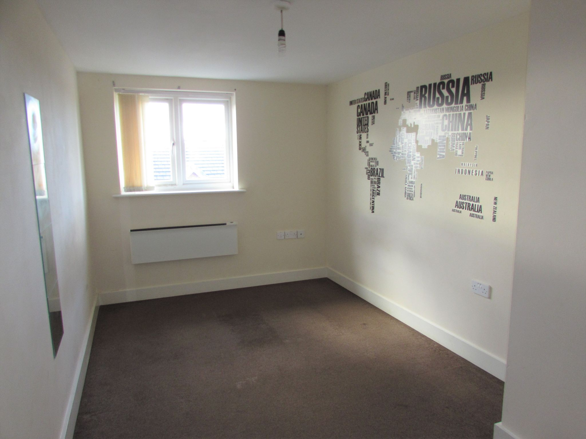 2 Bedroom Flat Flat/apartment For Sale - Photograph 6