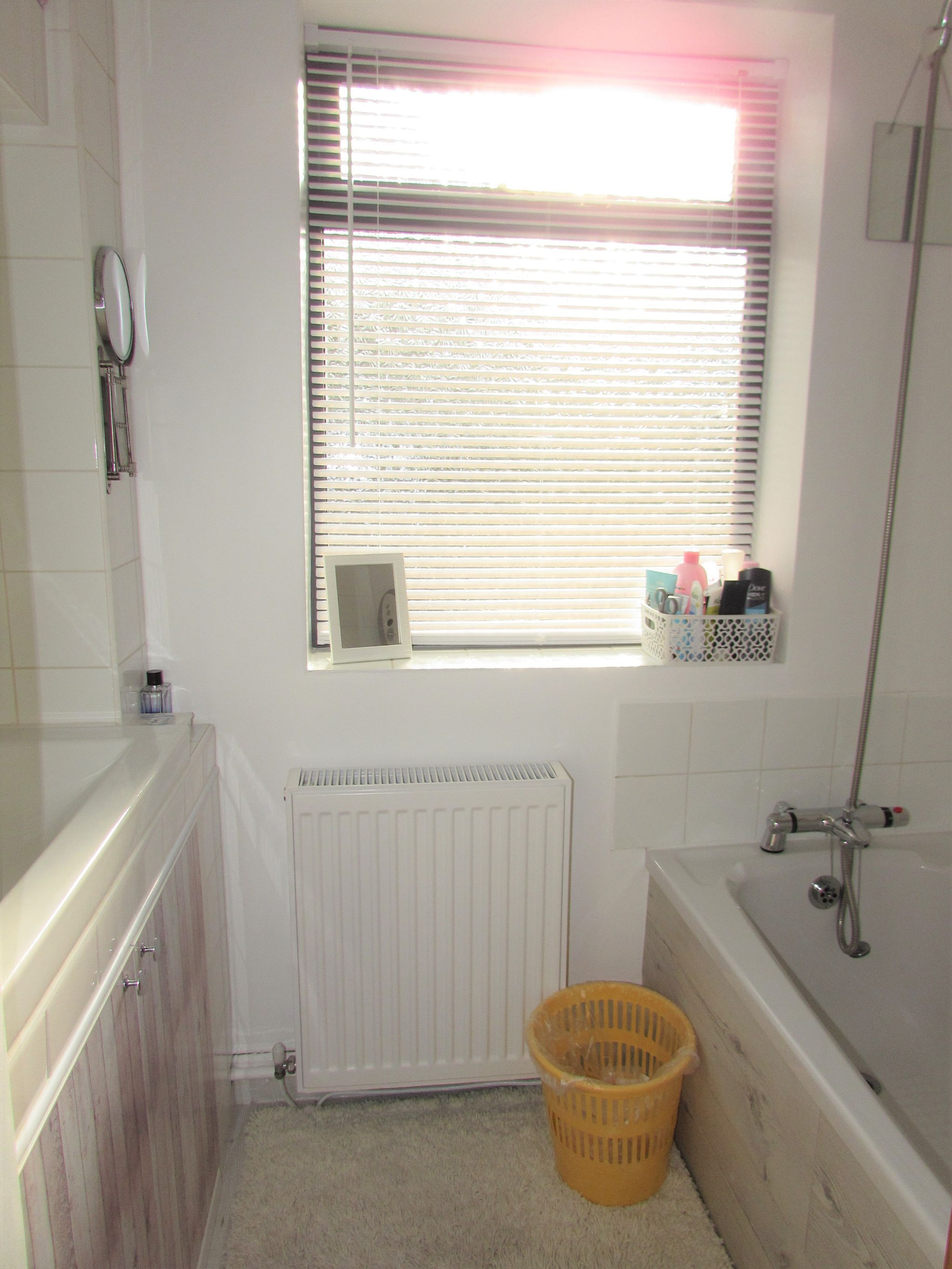 3 Bedroom Mid Terraced House For Sale - Photograph 17