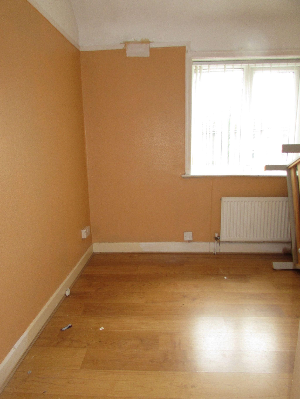 3 Bedroom Semi-detached House To Rent - Bedroom