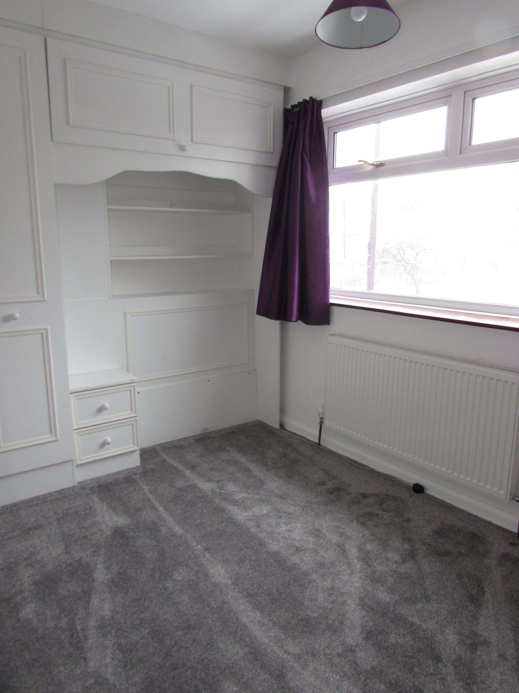 4 Bedroom End Terraced House To Rent - Photograph 11