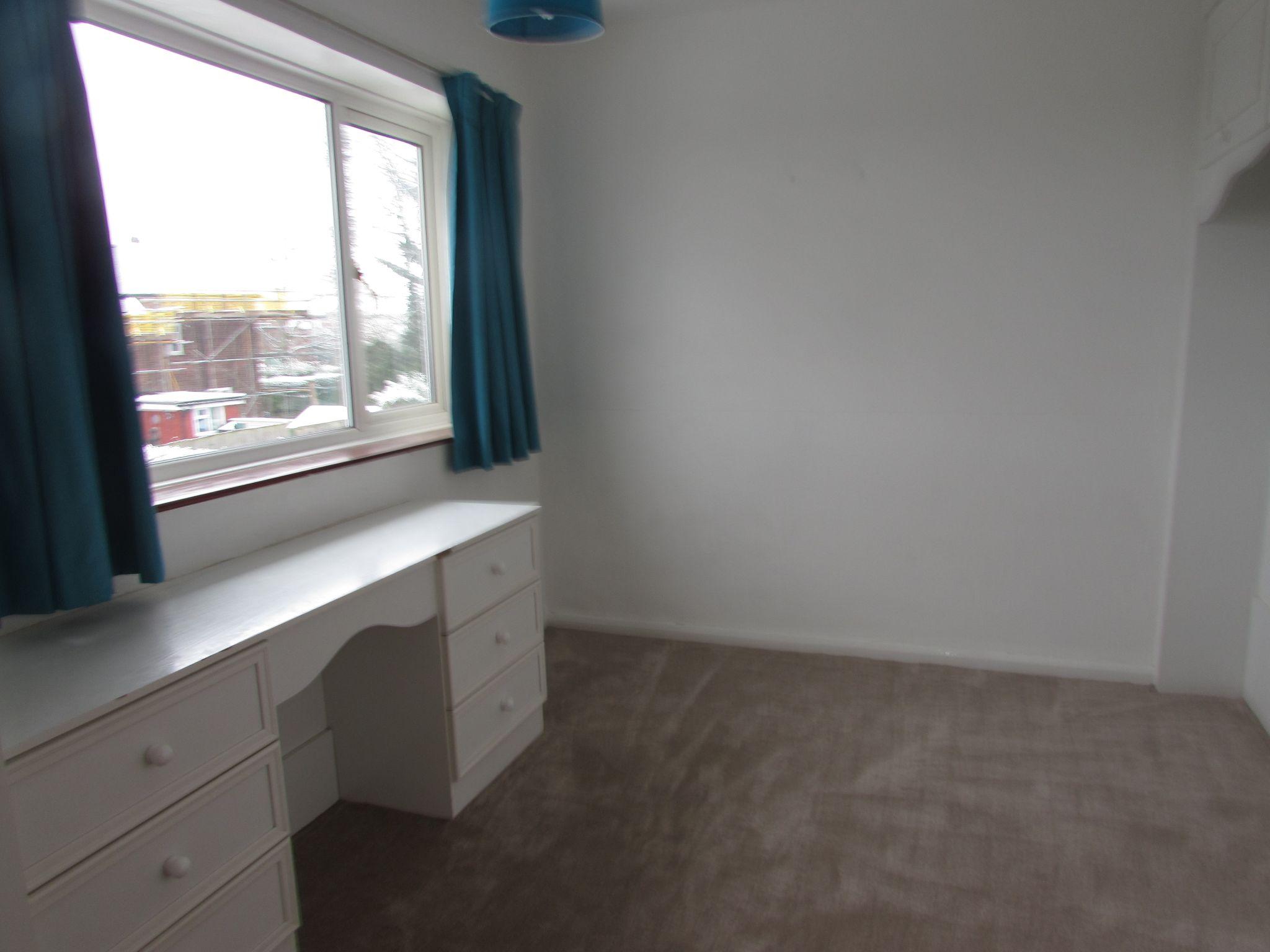 4 Bedroom End Terraced House To Rent - Bedroom 2