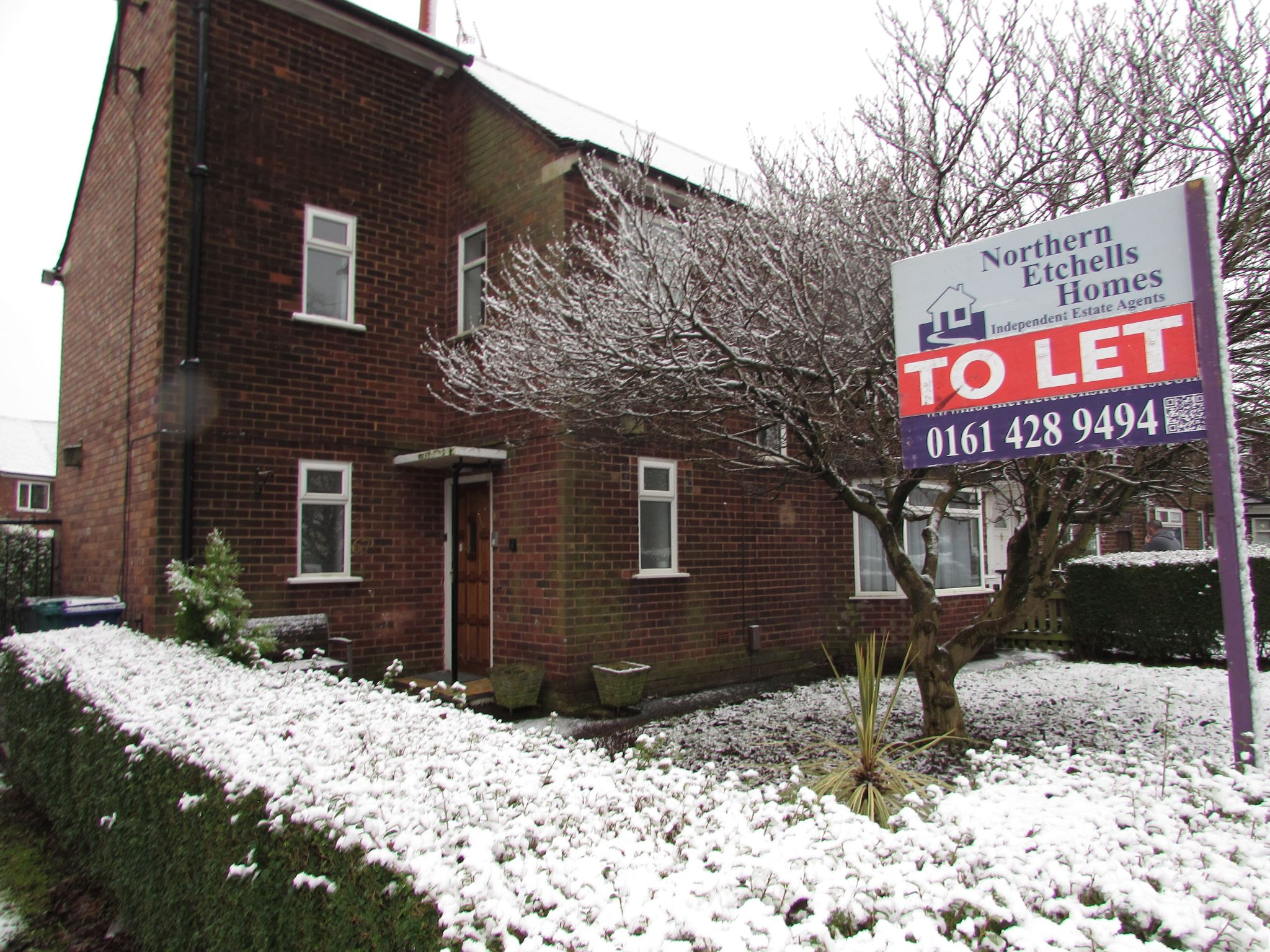4 Bedroom End Terraced House To Rent - Front