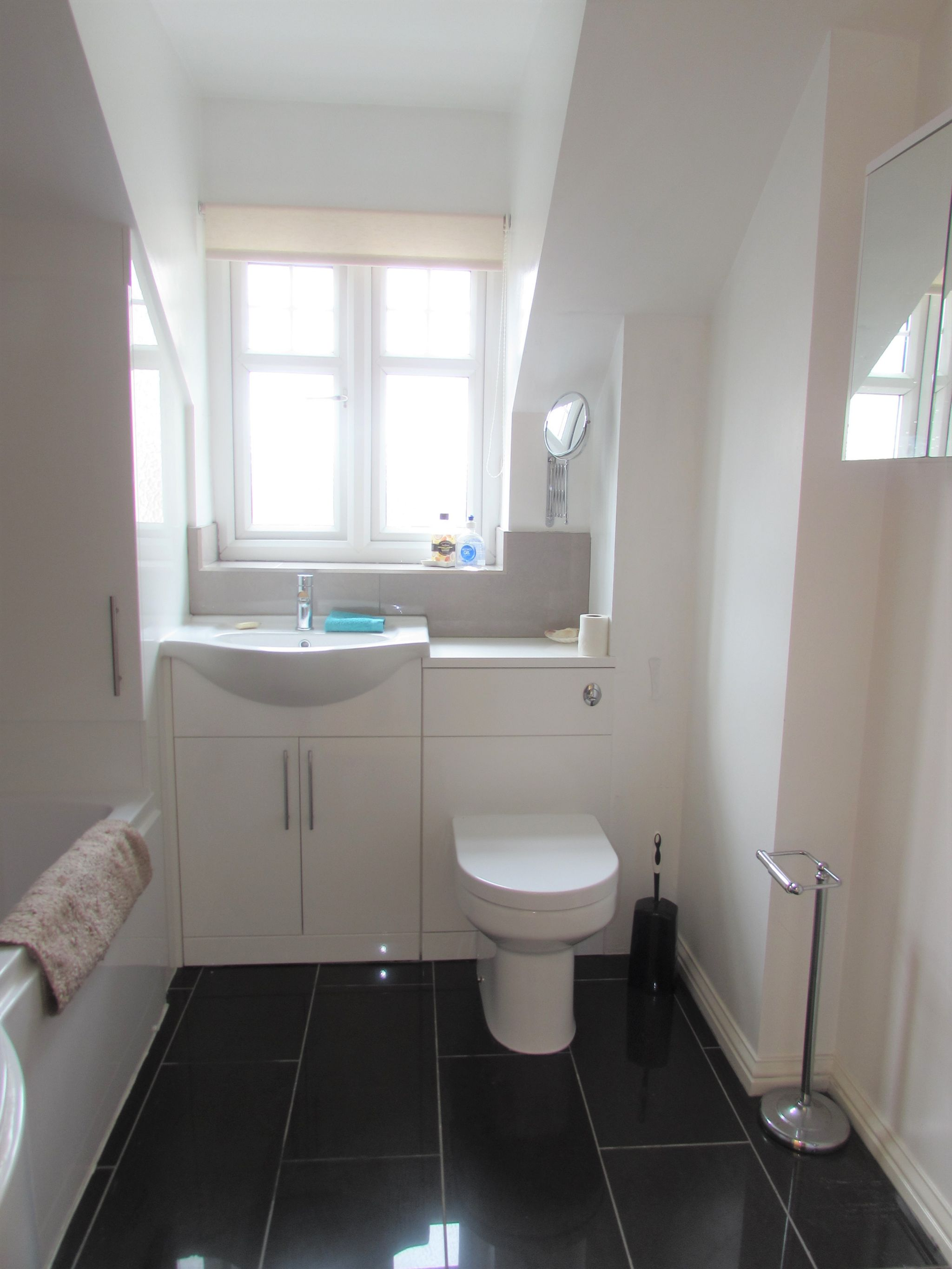 1 Bedroom Shared Flat/apartment To Rent - Photograph 6