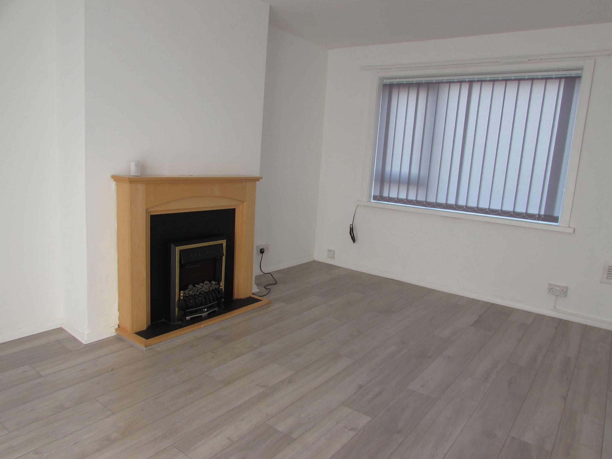 2 Bedroom Ground Floor Flat/apartment To Rent - Photograph 2