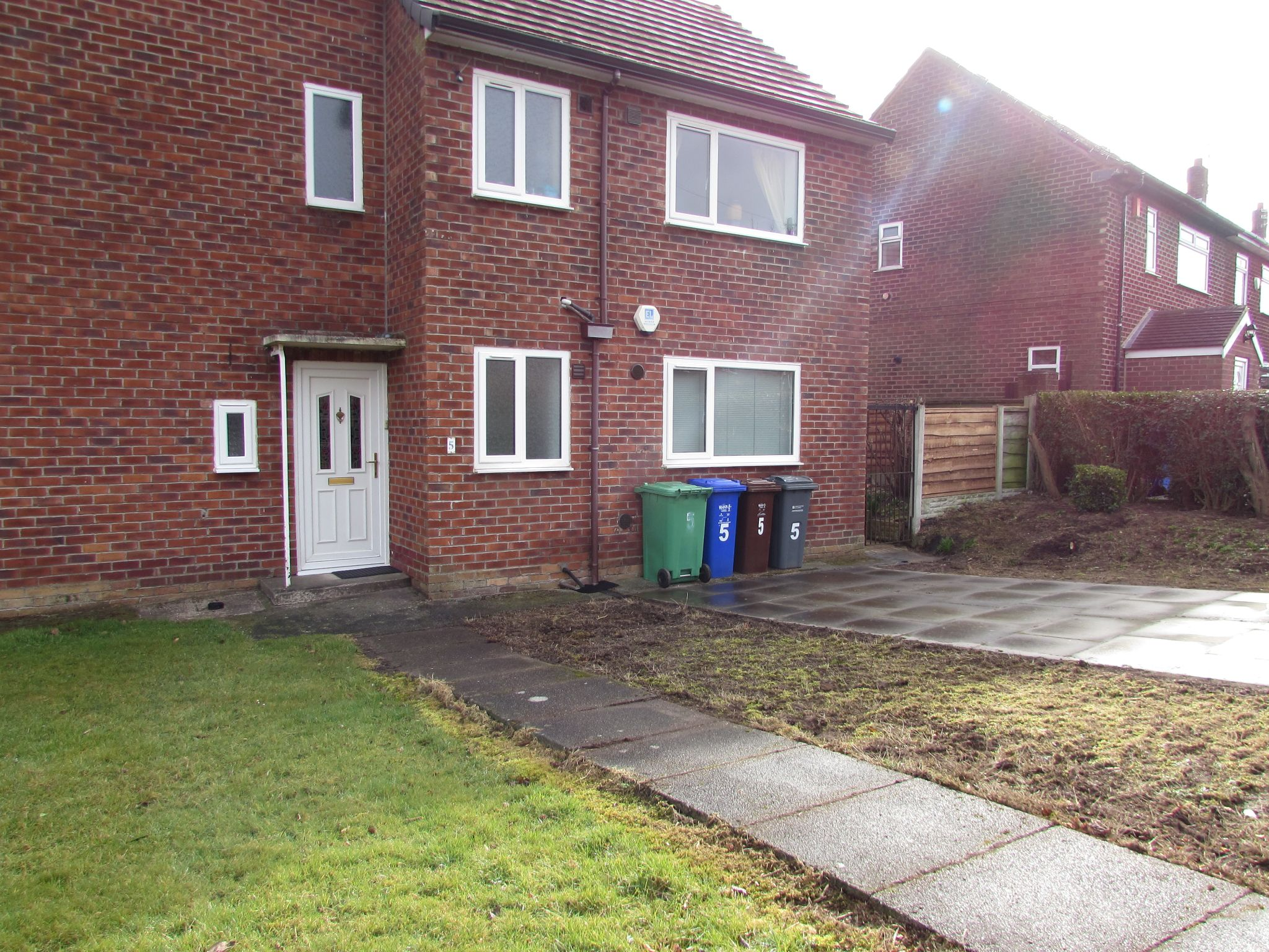 2 Bedroom Ground Floor Flat/apartment To Rent - Photograph 12