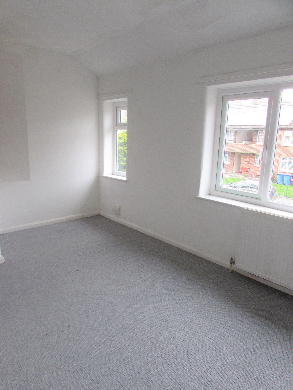2 Bedroom Mid Terraced House To Rent - BEDROOM ONE