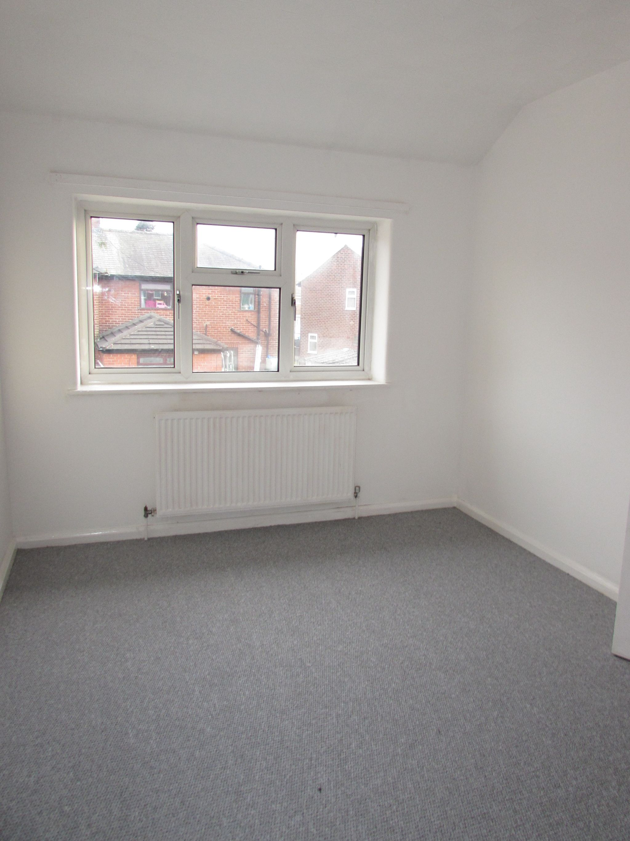 2 Bedroom Mid Terraced House To Rent - BEDROOM TWO
