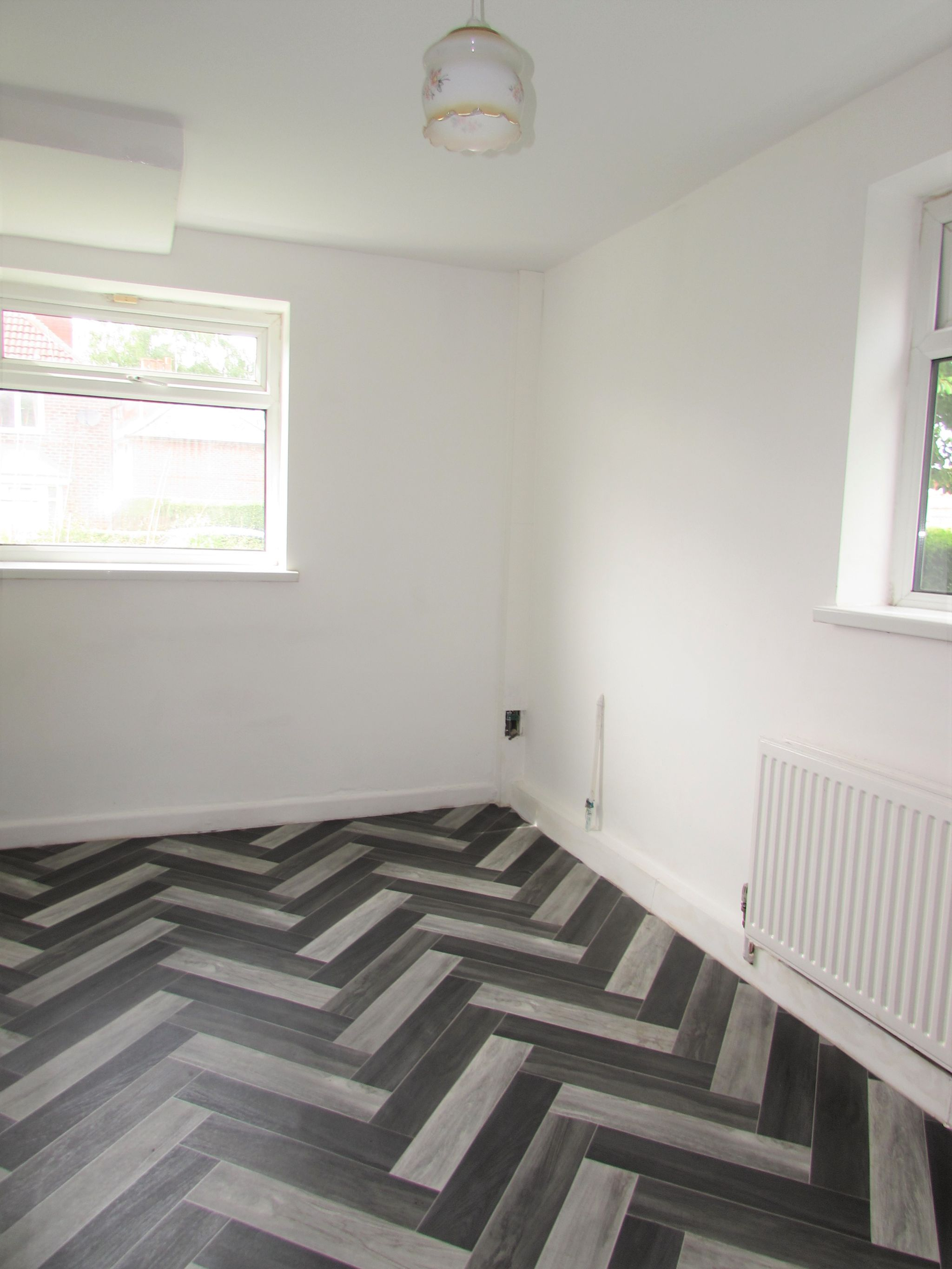 3 Bedroom Semi-detached House To Rent - Dining Area