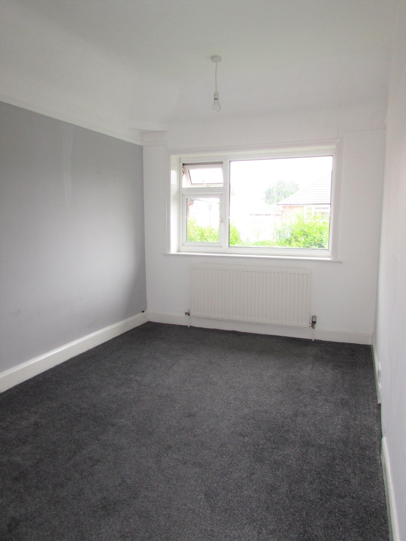 3 Bedroom Semi-detached House To Rent - Bedroom 2