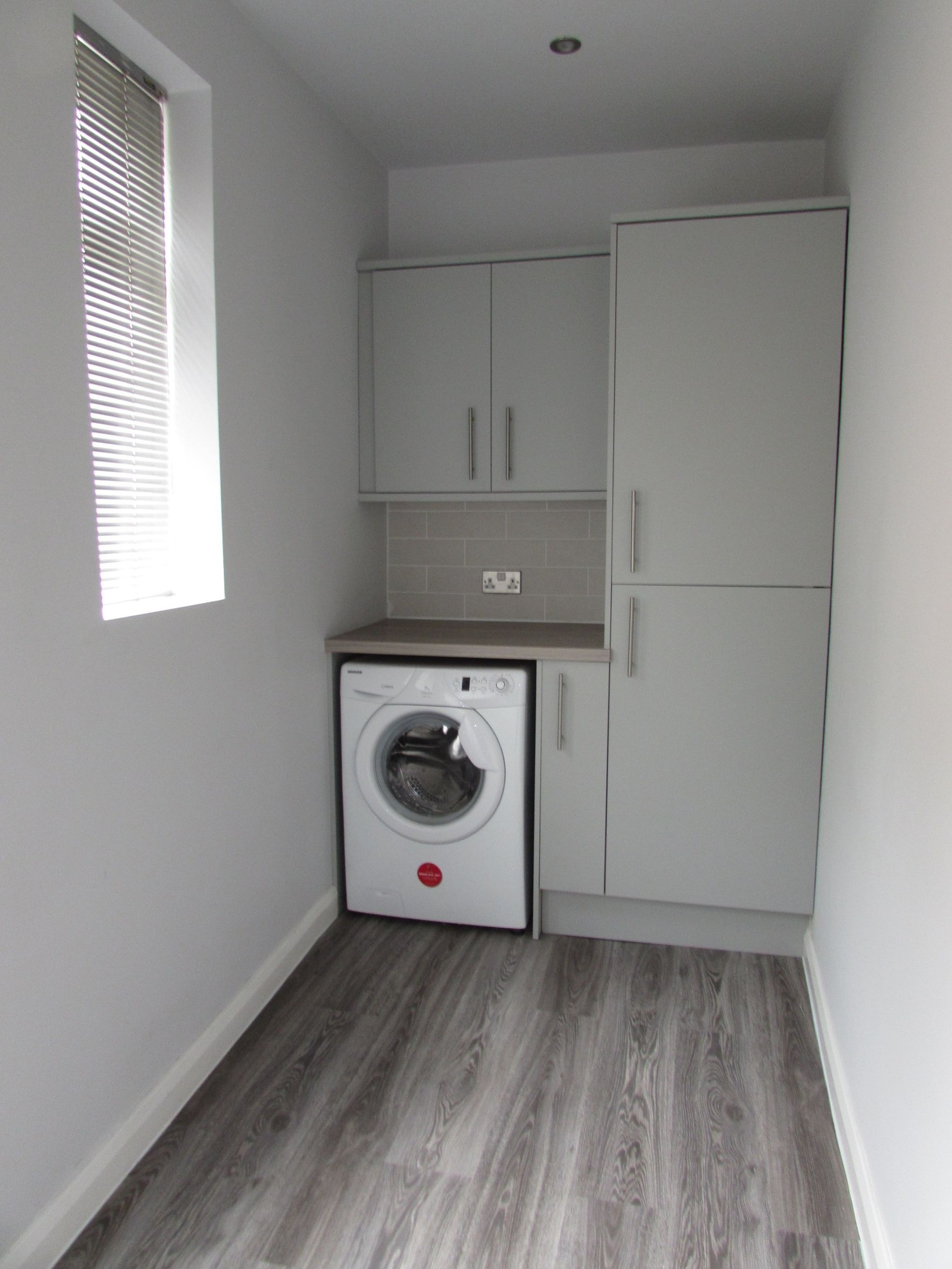 3 Bedroom Mid Terraced House For Sale - utility