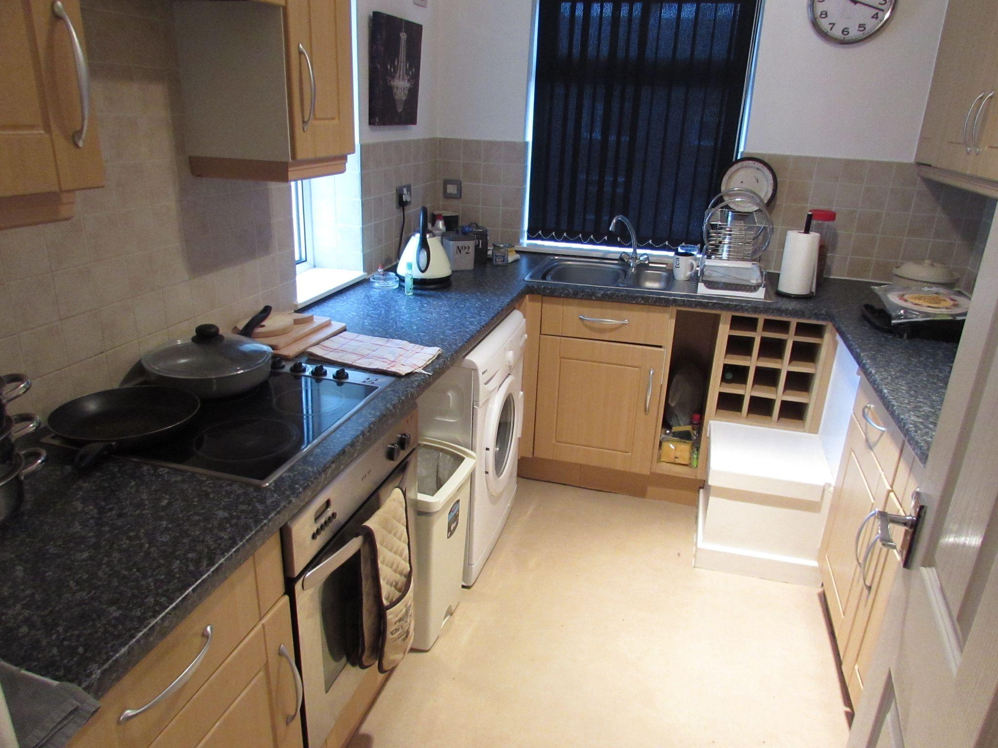 2 Bedroom Flat Flat/apartment To Rent - Photograph 4