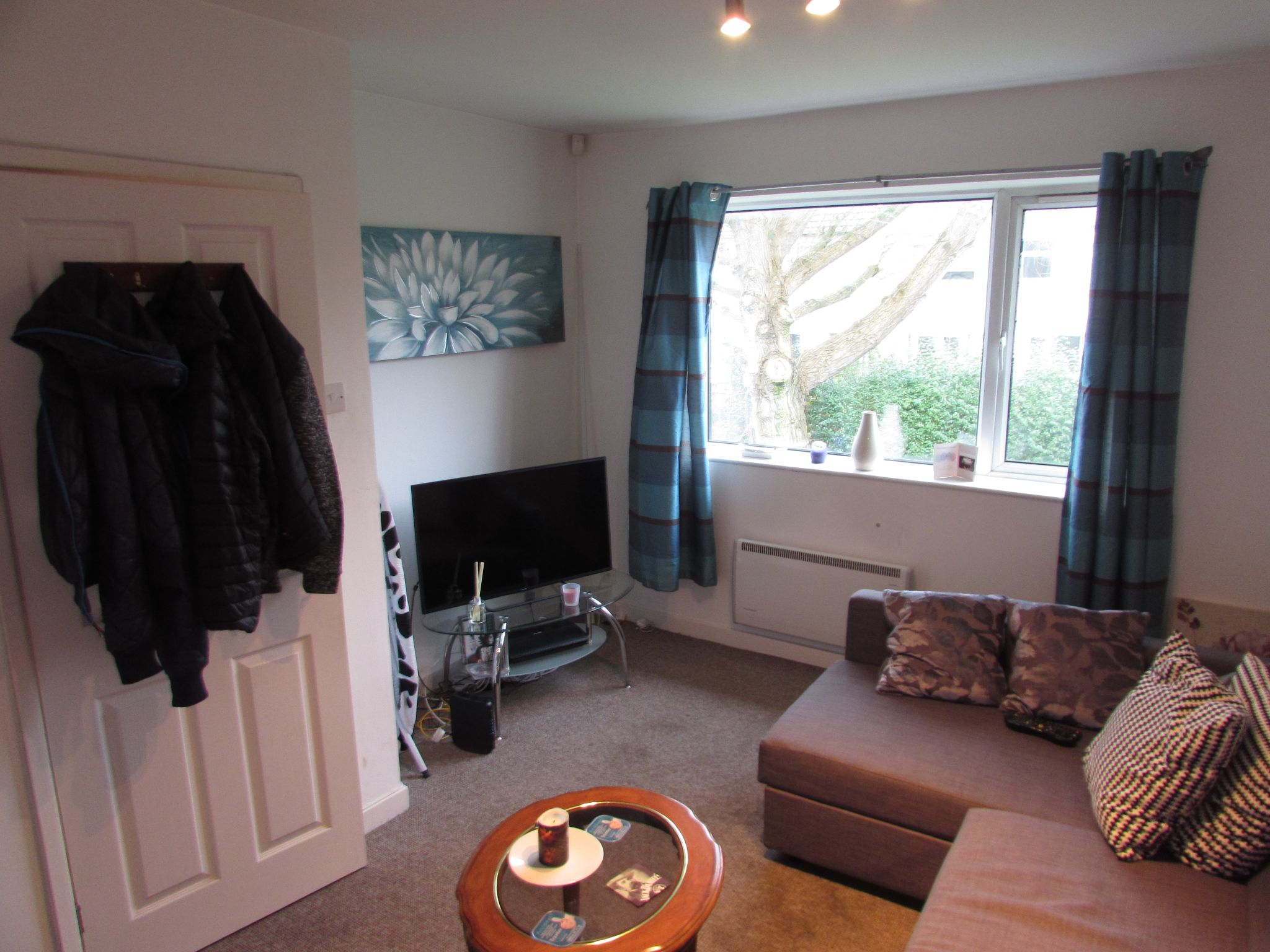 2 Bedroom Flat Flat/apartment To Rent - Photograph 2