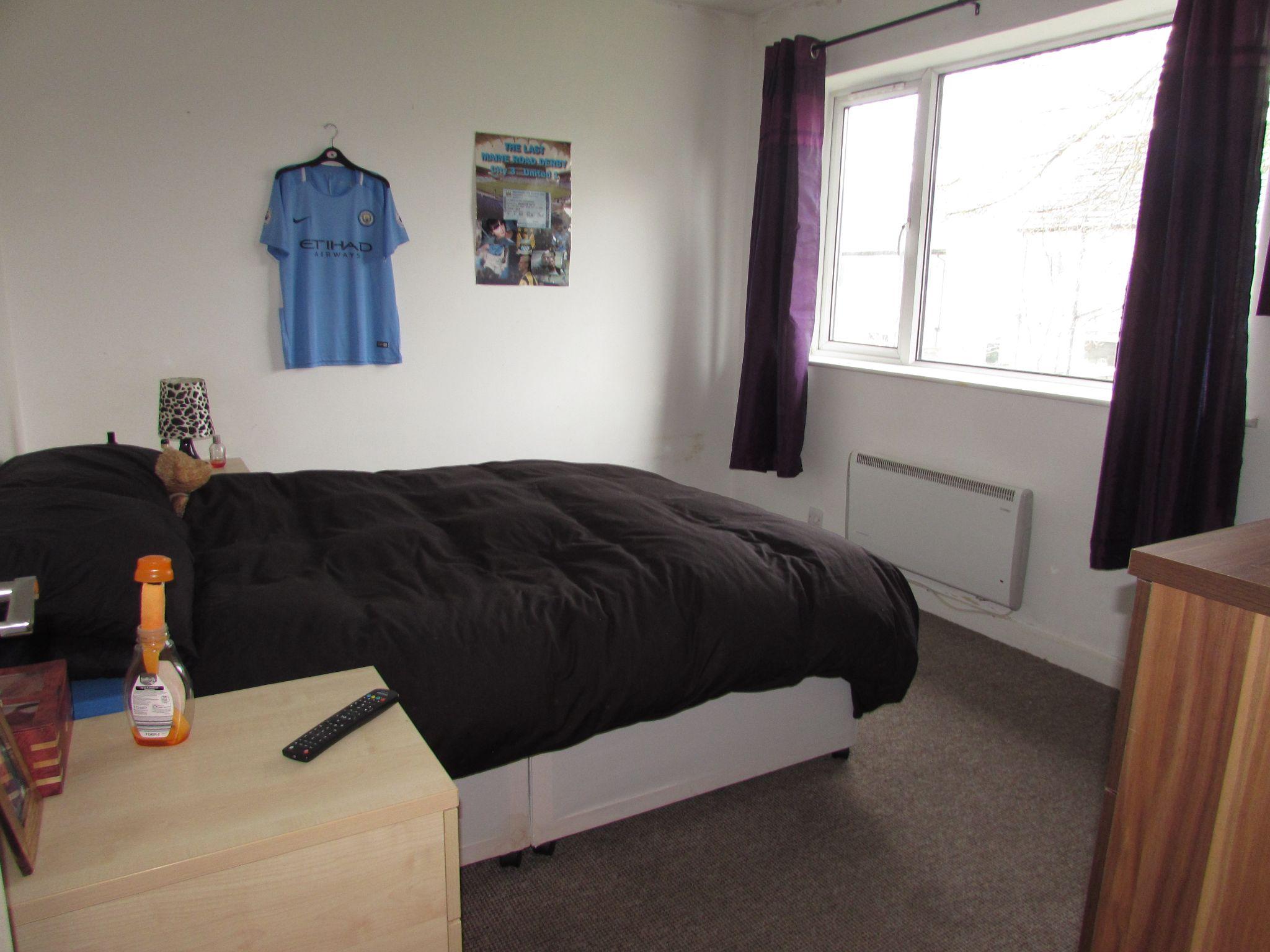 2 Bedroom Flat Flat/apartment To Rent - Photograph 5