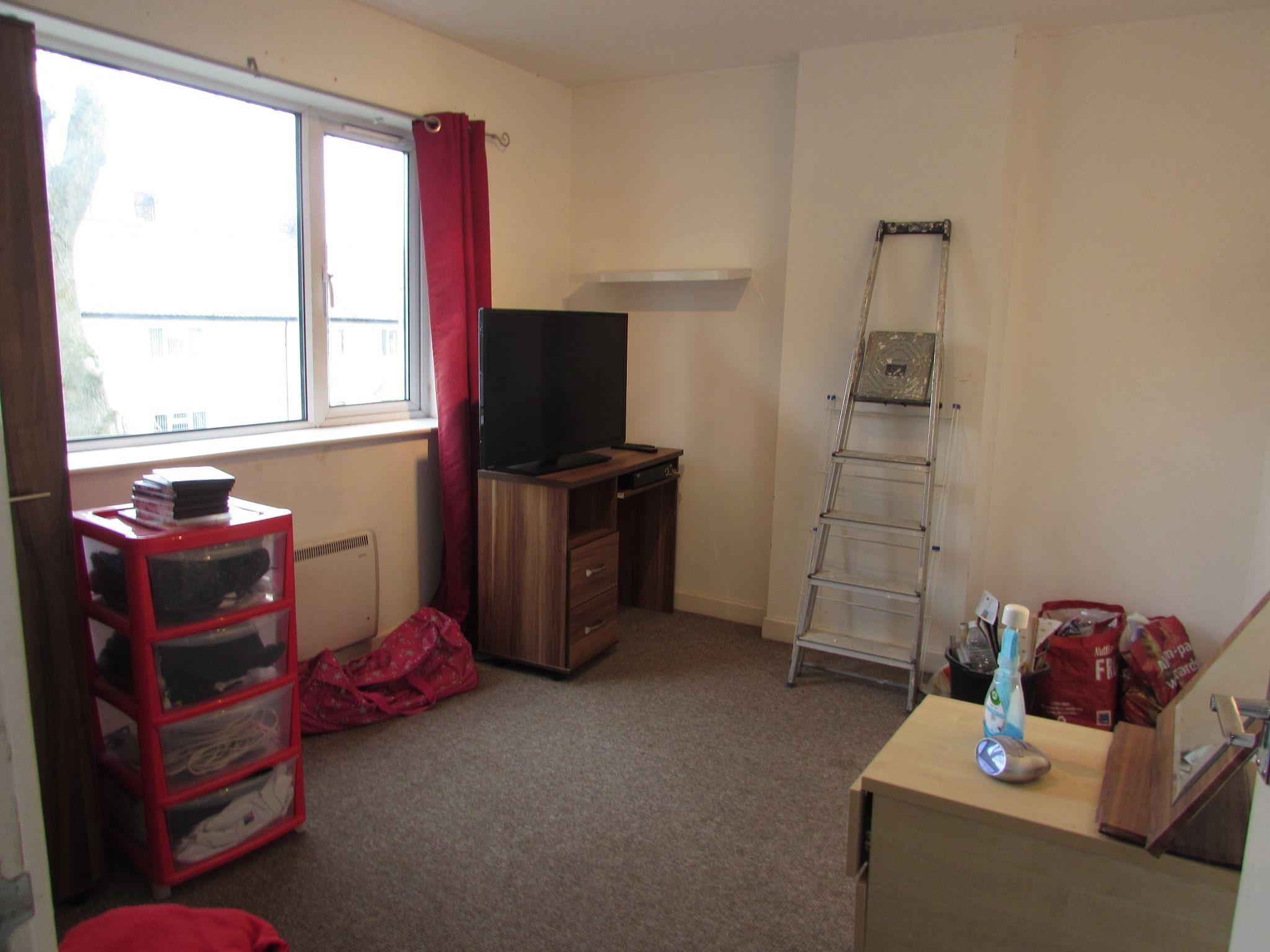 2 Bedroom Flat Flat/apartment To Rent - Photograph 6