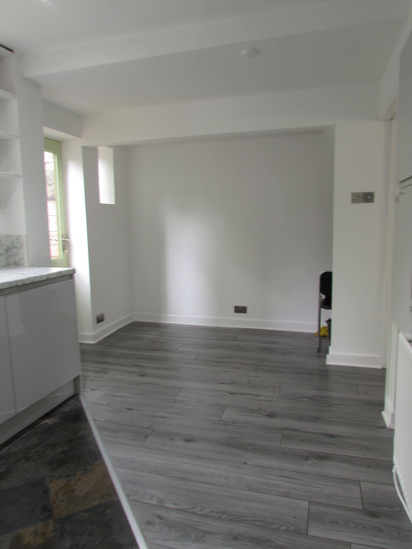 3 Bedroom Mid Terraced House For Sale - KITCHEN/DINER