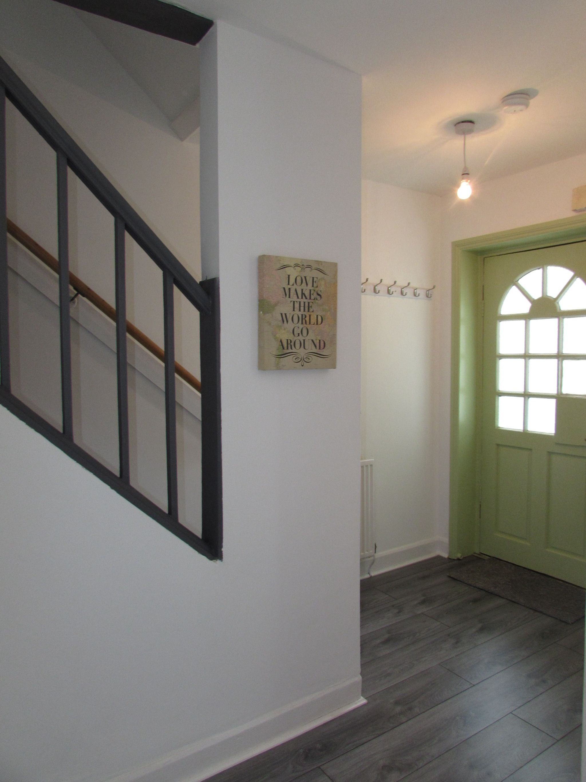 3 Bedroom Mid Terraced House For Sale - ENTERANCE