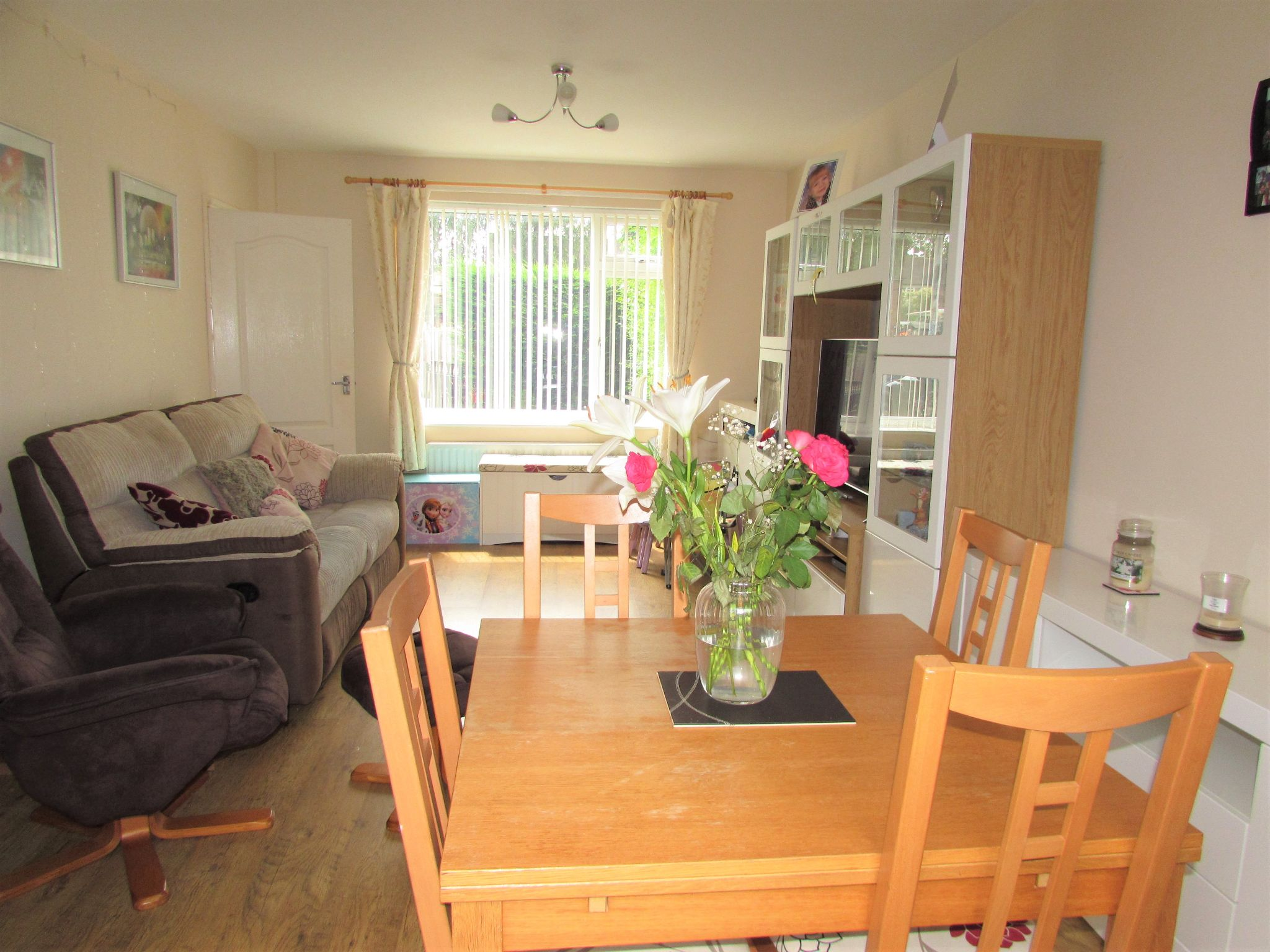 3 Bedroom Mid Terraced House For Sale - Living Room