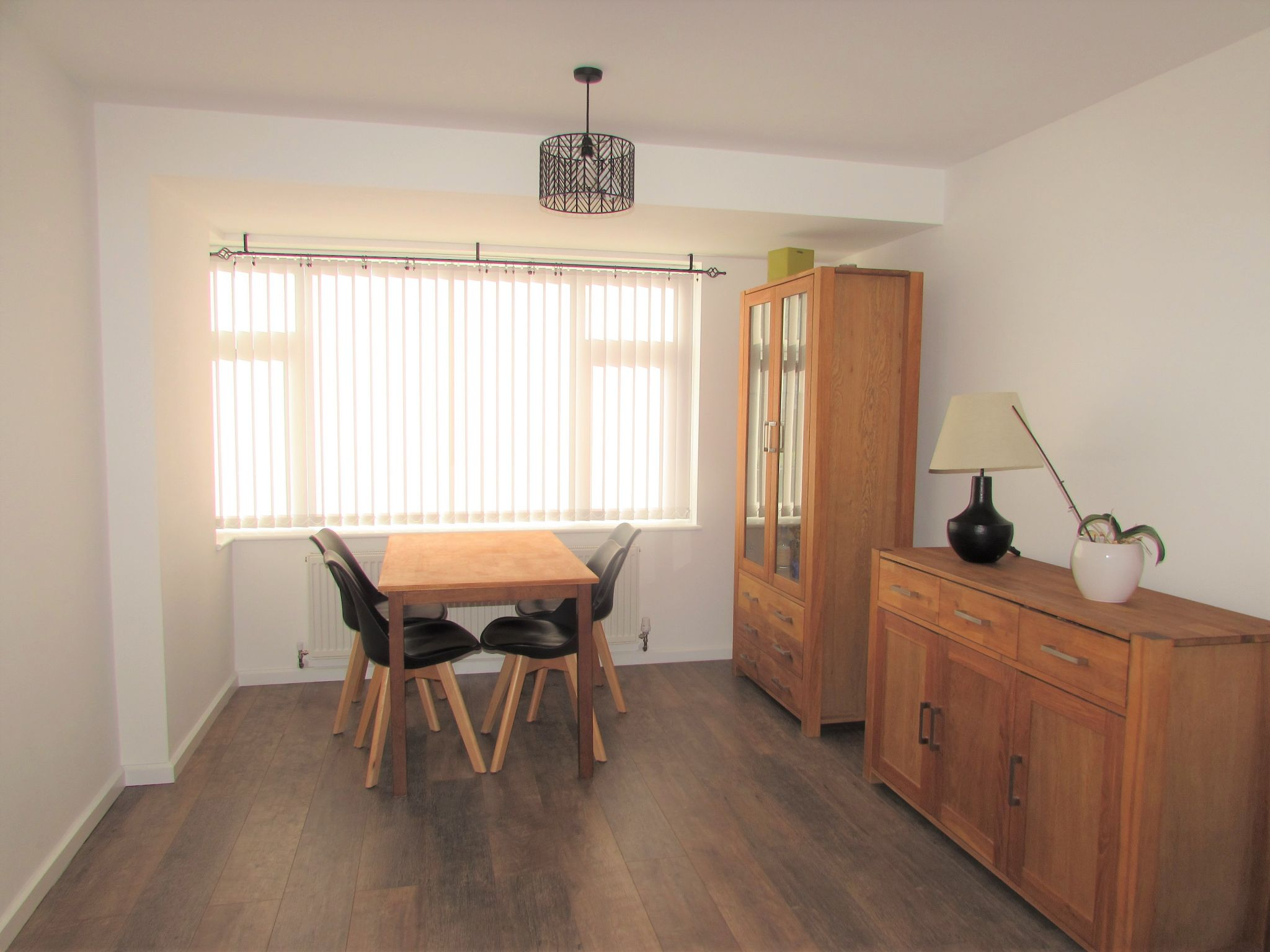 3 Bedroom Semi-detached House To Rent - DINING ROOM