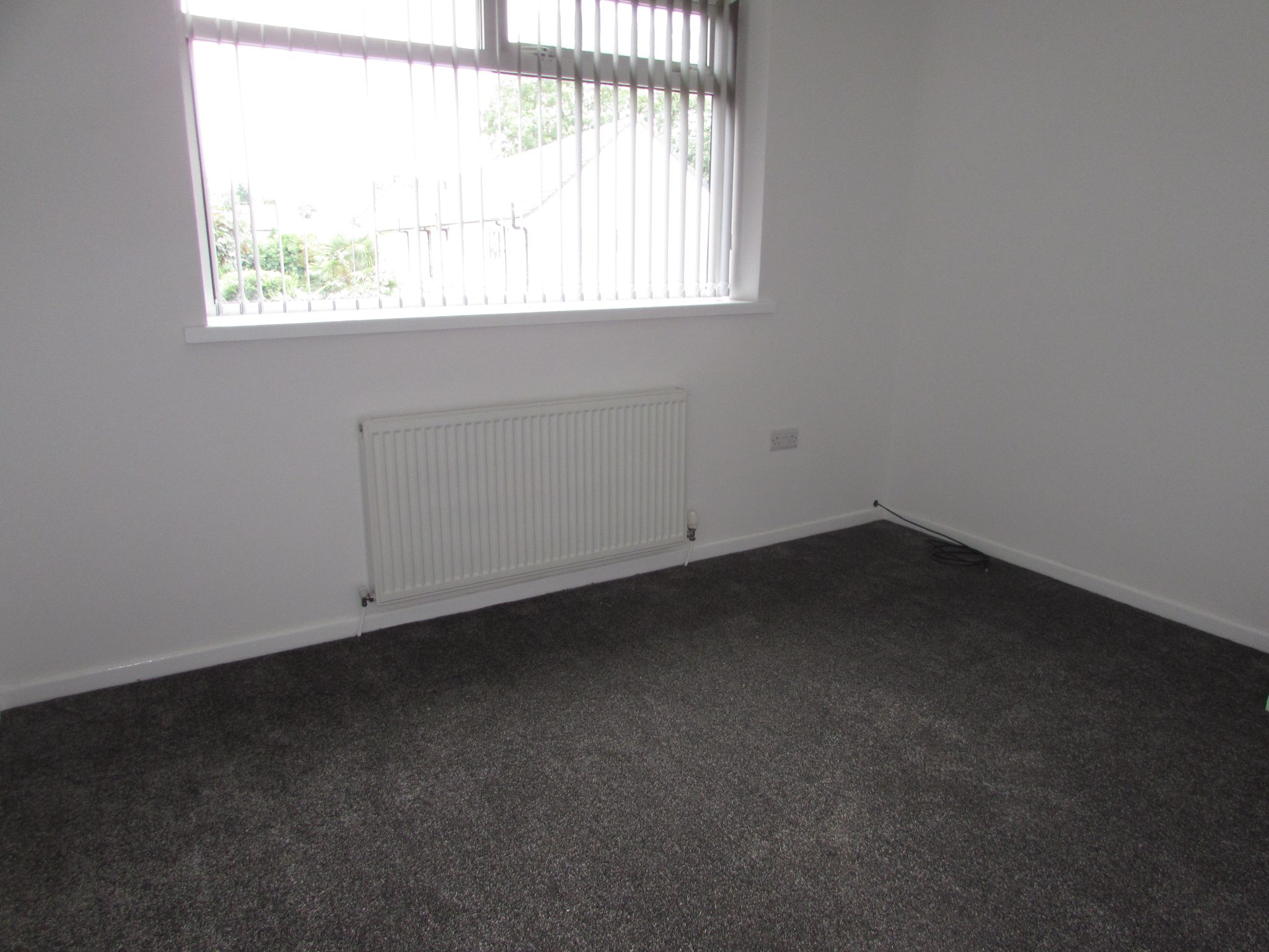 2 Bedroom End Terraced House To Rent - Photograph 10