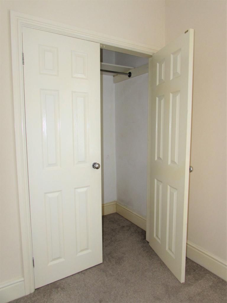 2 Bedroom Cottage House To Rent - Photograph 16