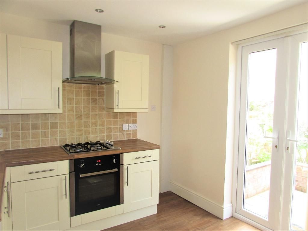 2 Bedroom Cottage House To Rent - Photograph 6