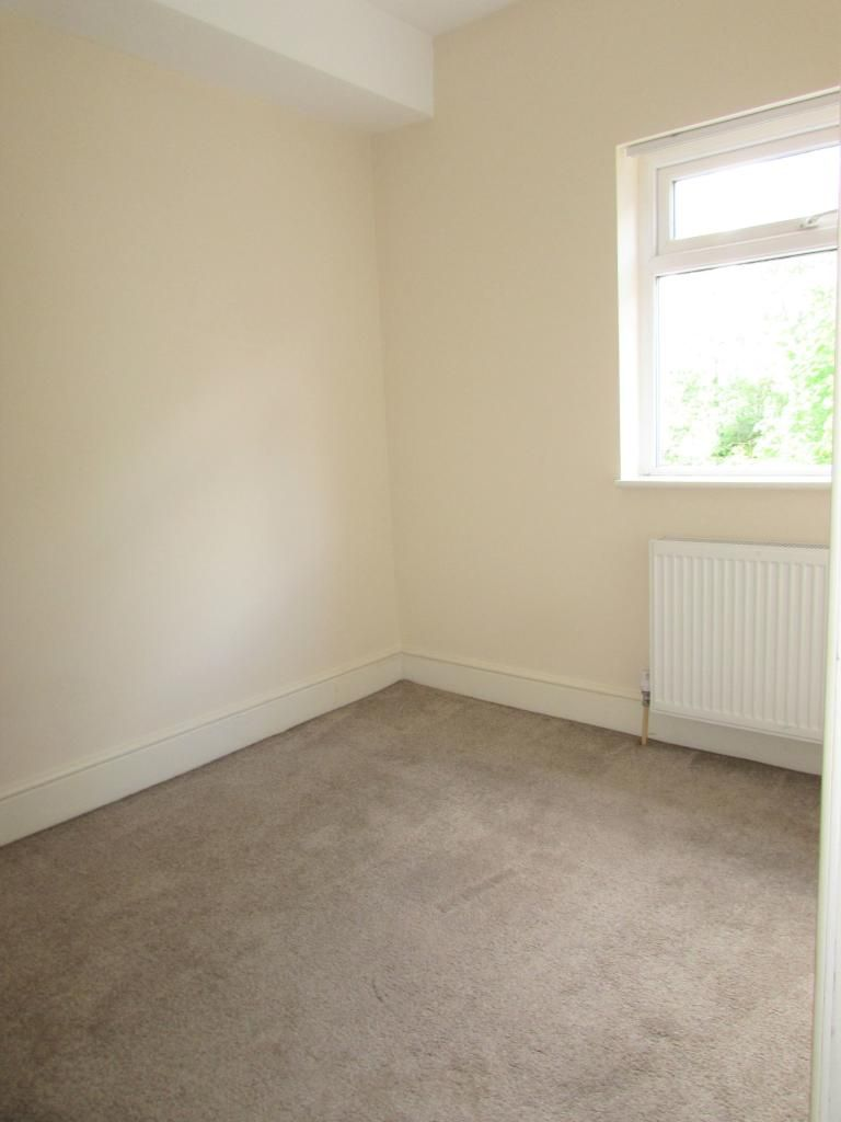 2 Bedroom Cottage House To Rent - Photograph 15
