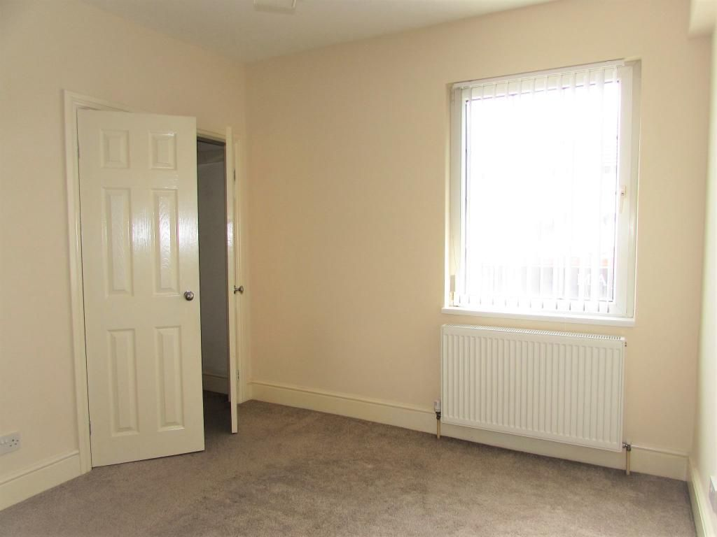 2 Bedroom Cottage House To Rent - Photograph 17