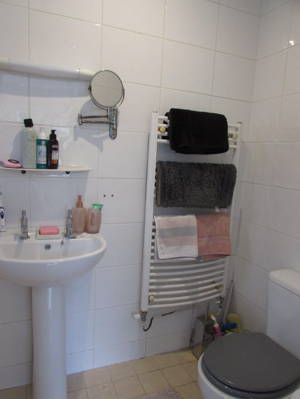 5 Bedroom Semi-detached House For Sale - Annexe En-Suite