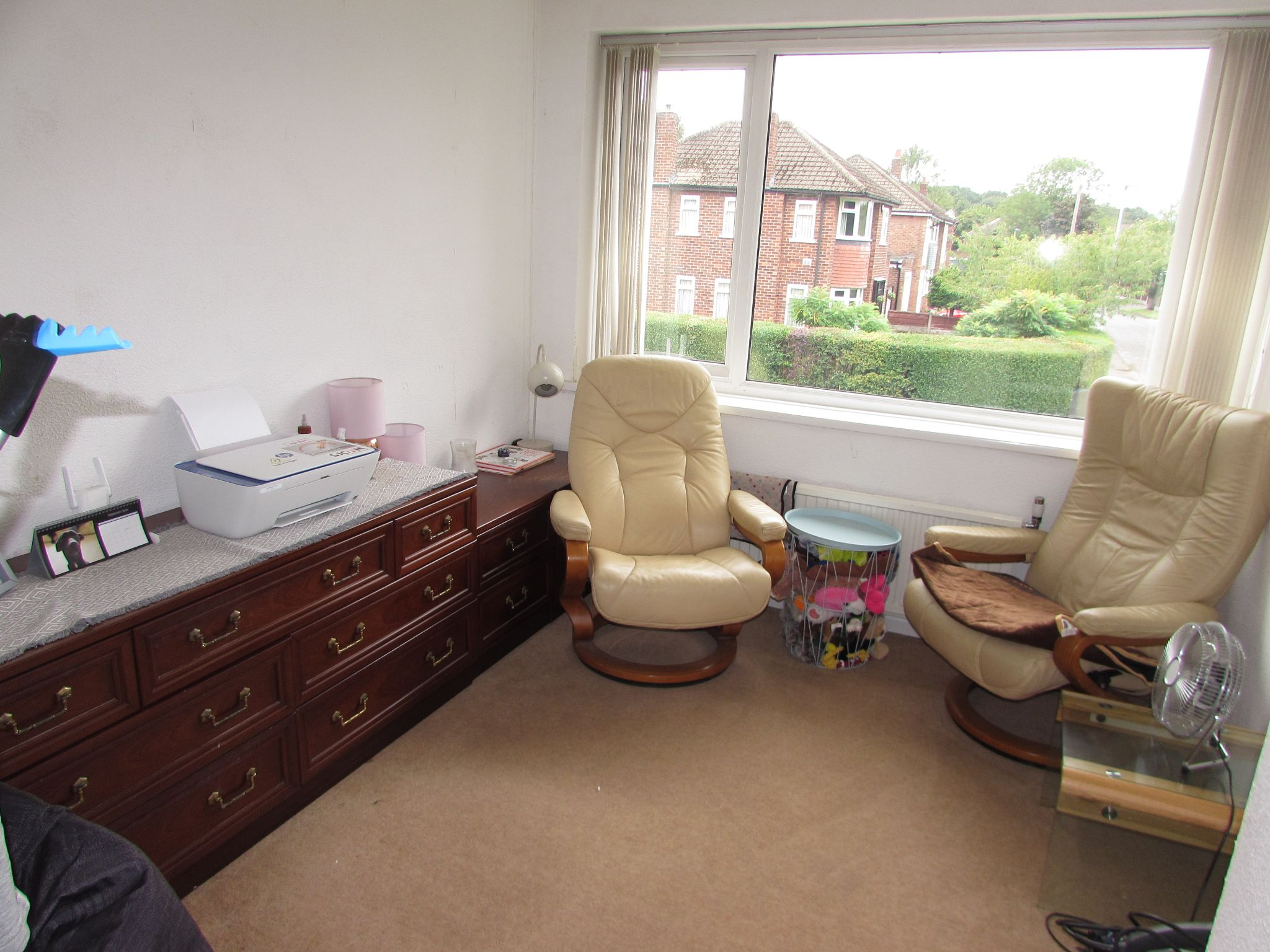 5 Bedroom Semi-detached House For Sale - Photograph 27