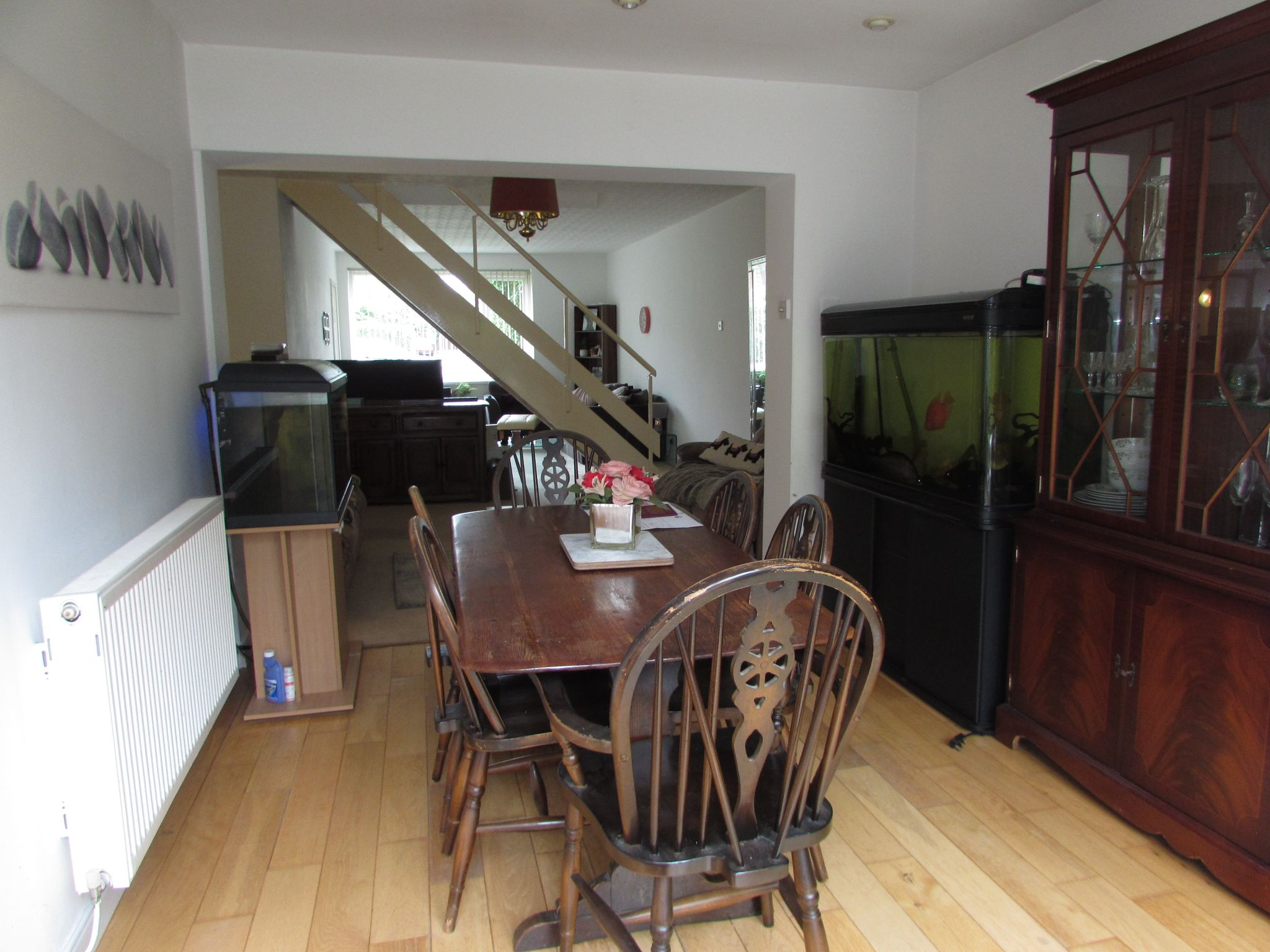 5 Bedroom Semi-detached House For Sale - Photograph 12