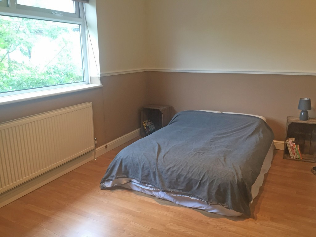 3 Bedroom Mid Terraced House For Sale - Image 9