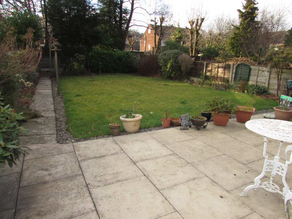 3 Bedroom Semi-detached House To Rent - Photograph 4