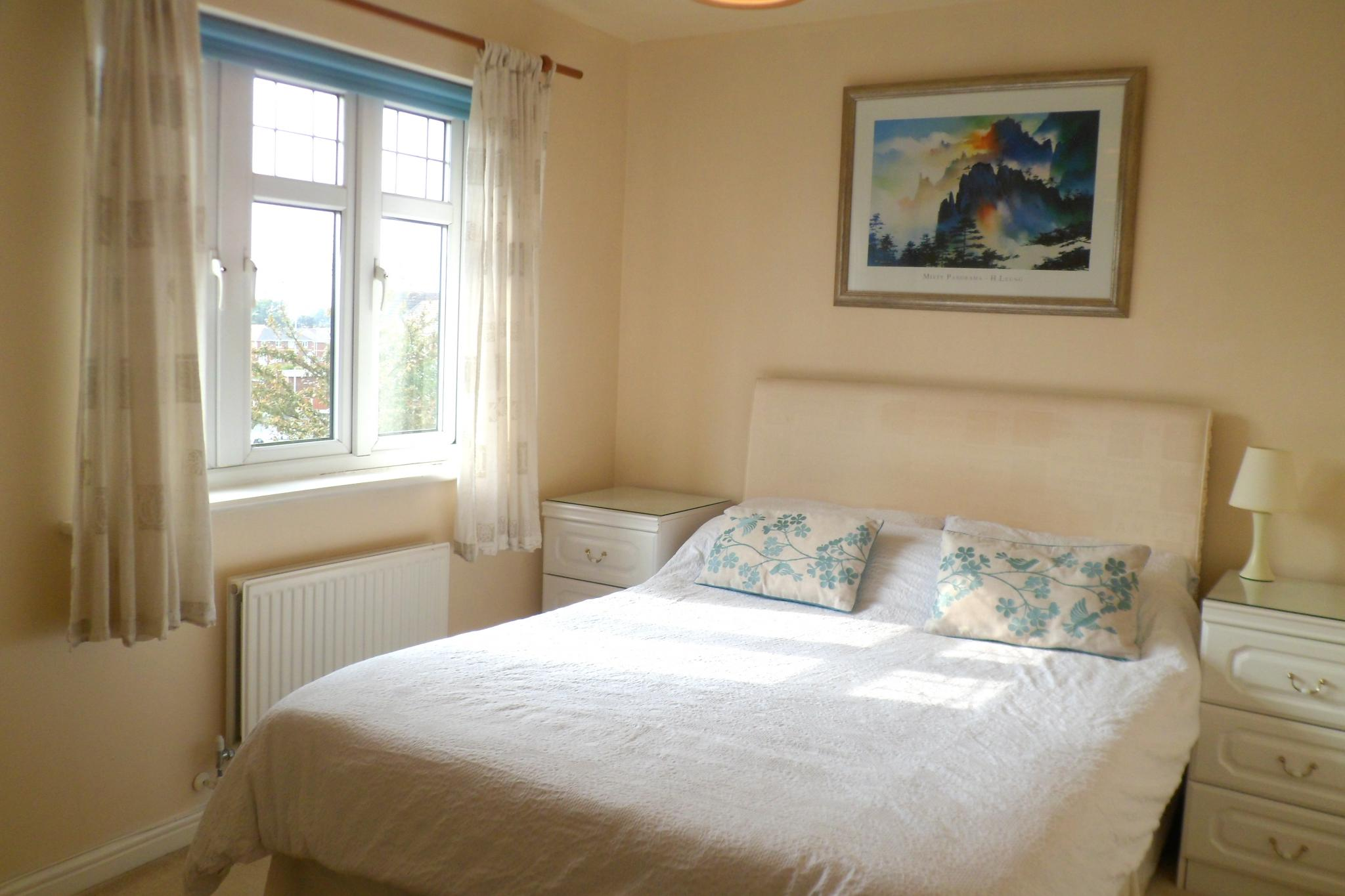 2 Bedroom Semi-detached House To Rent - Photograph 9