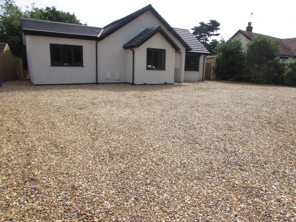 4 Bedroom Detached Bungalow Bungalow For Sale - Image 18