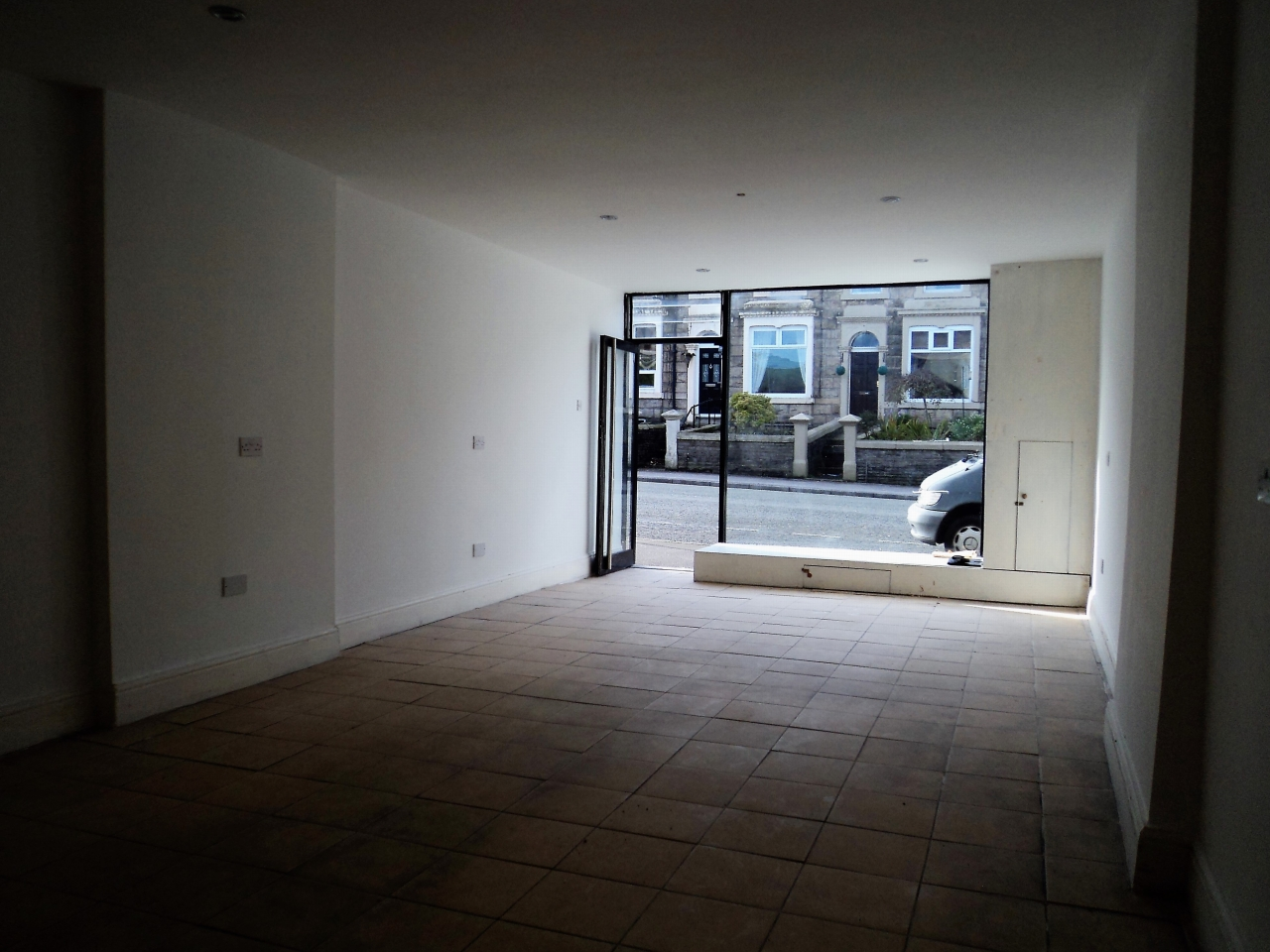 2 Bedroom Mid Terraced House For Sale - Image 3