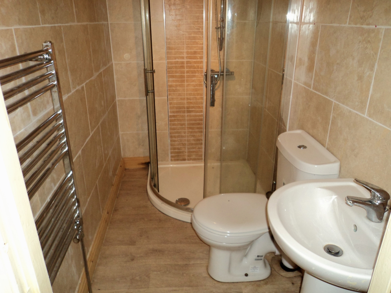 2 Bedroom Mid Terraced House For Sale - Image 6